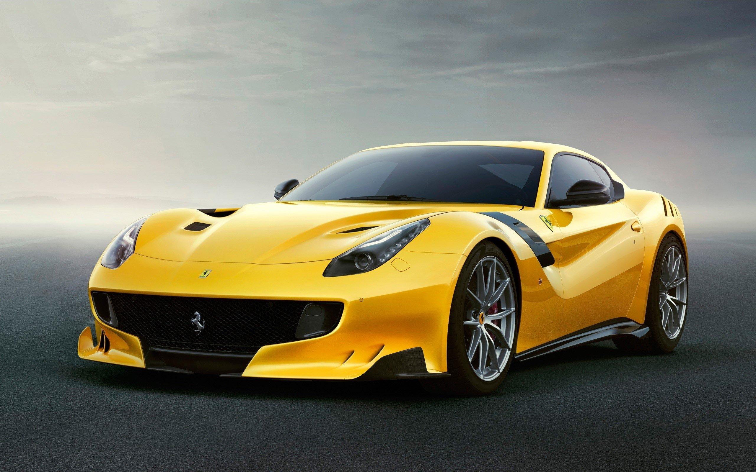 Wallpaper Ferrari F12TDF yellow