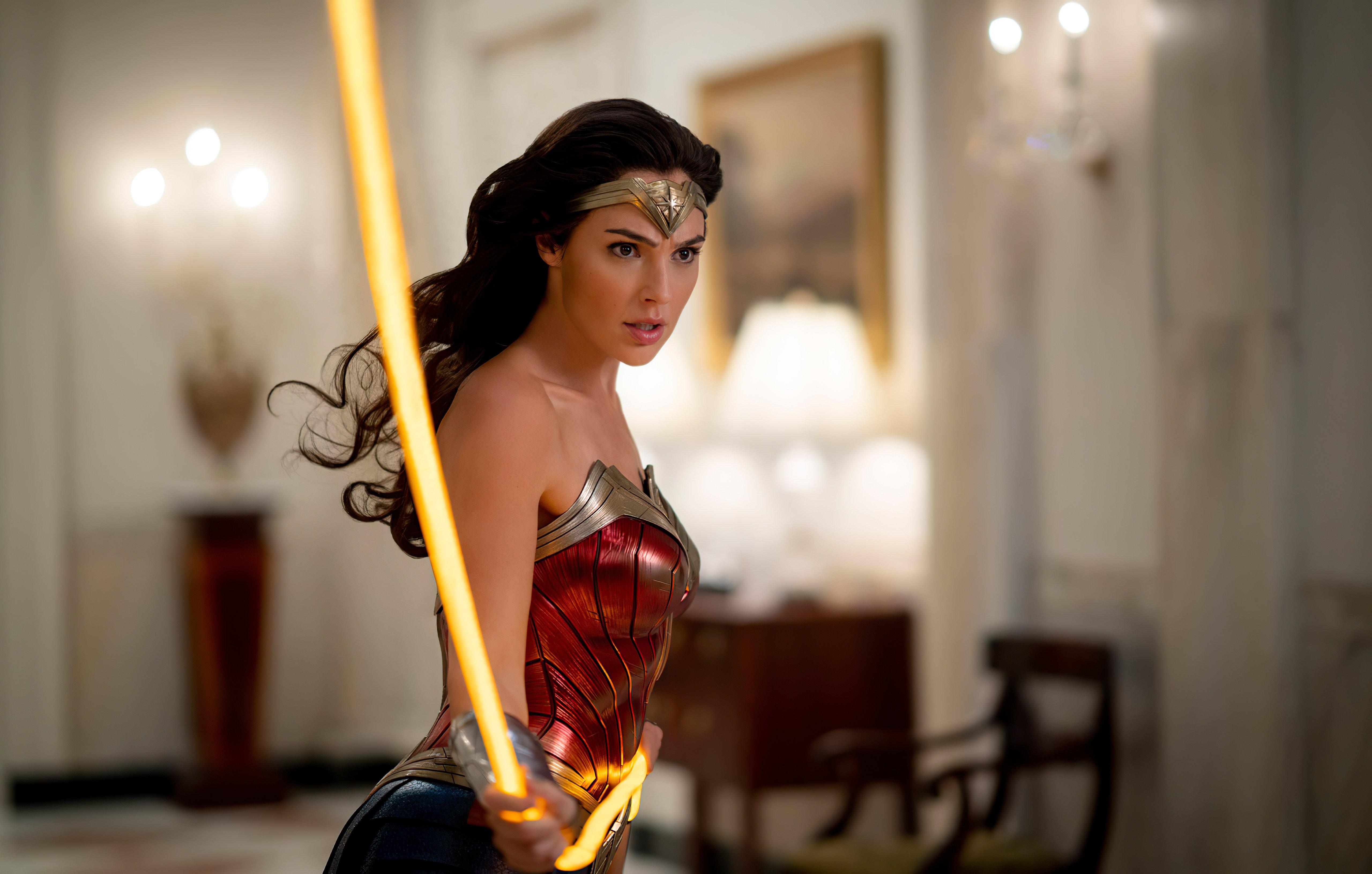 Wallpaper Gal Gadot in Wonder Woman 1964