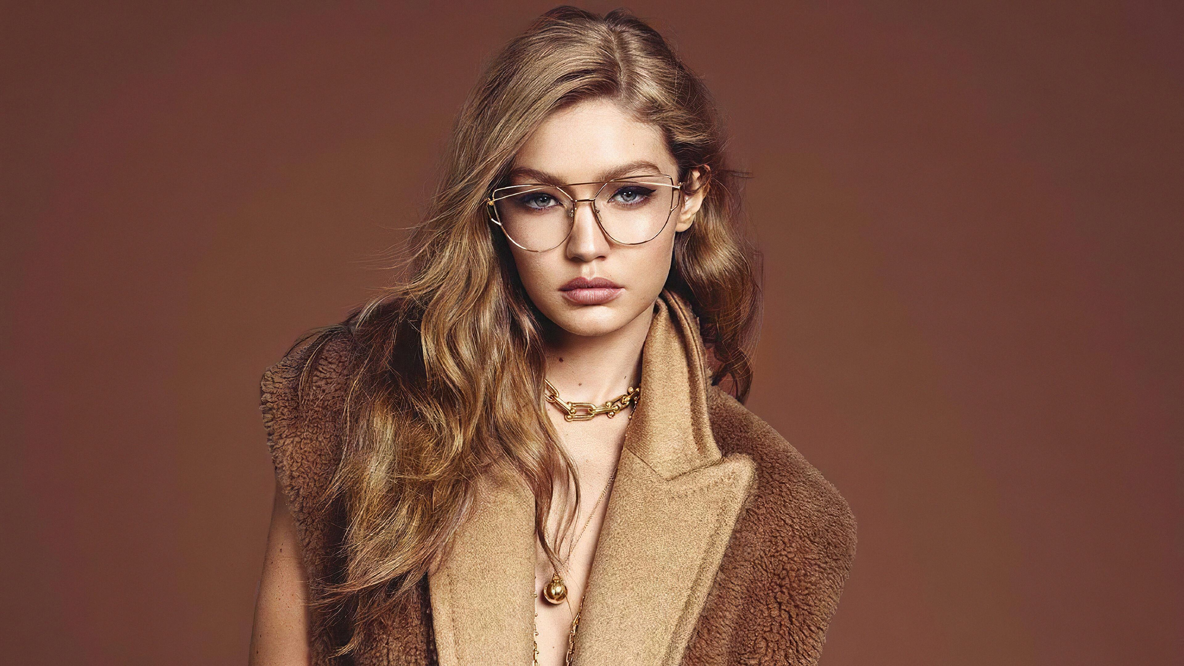 Fondos de pantalla Gigi Hadid con lentes