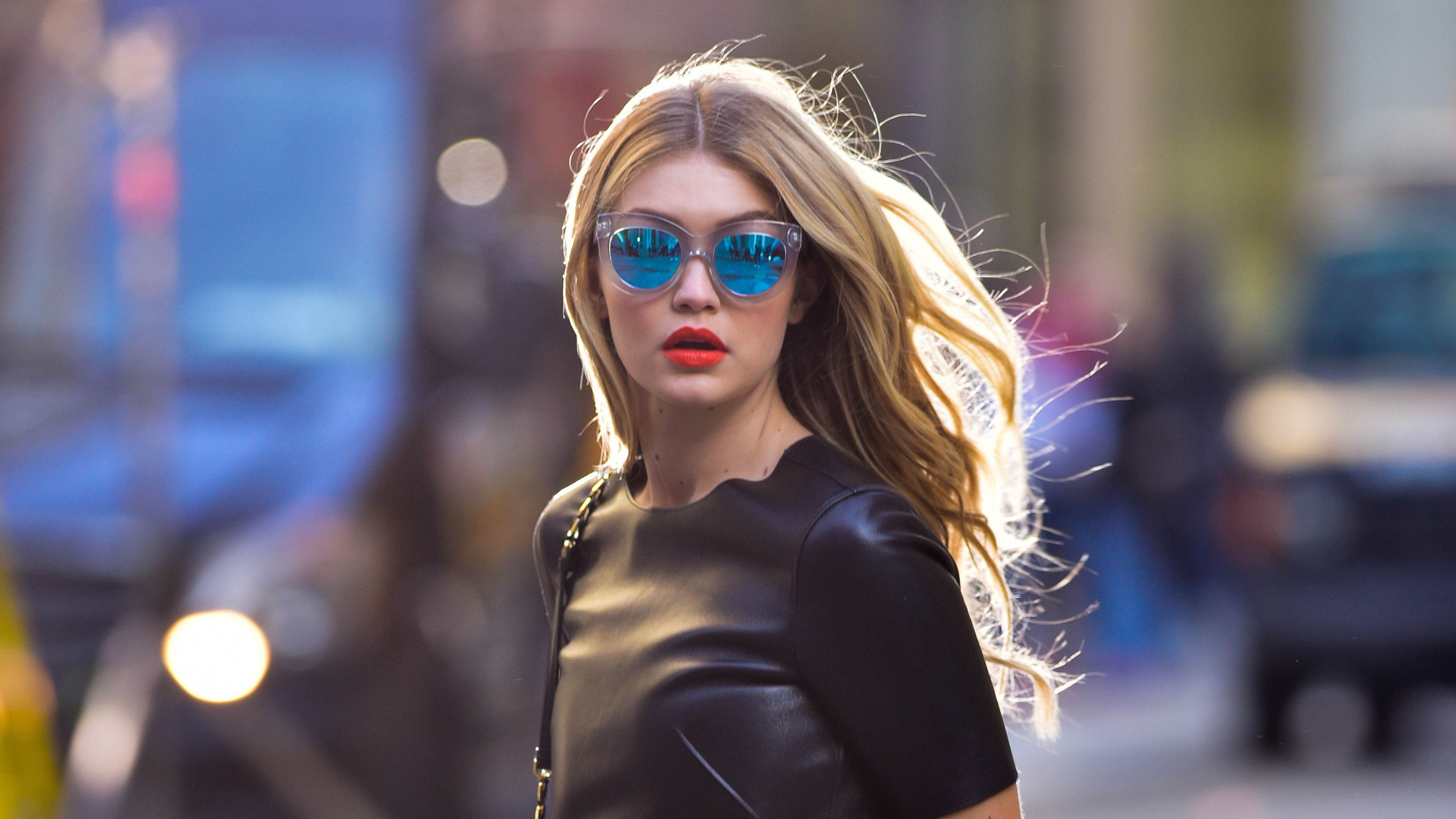 Wallpaper Gigi Hadid in New York