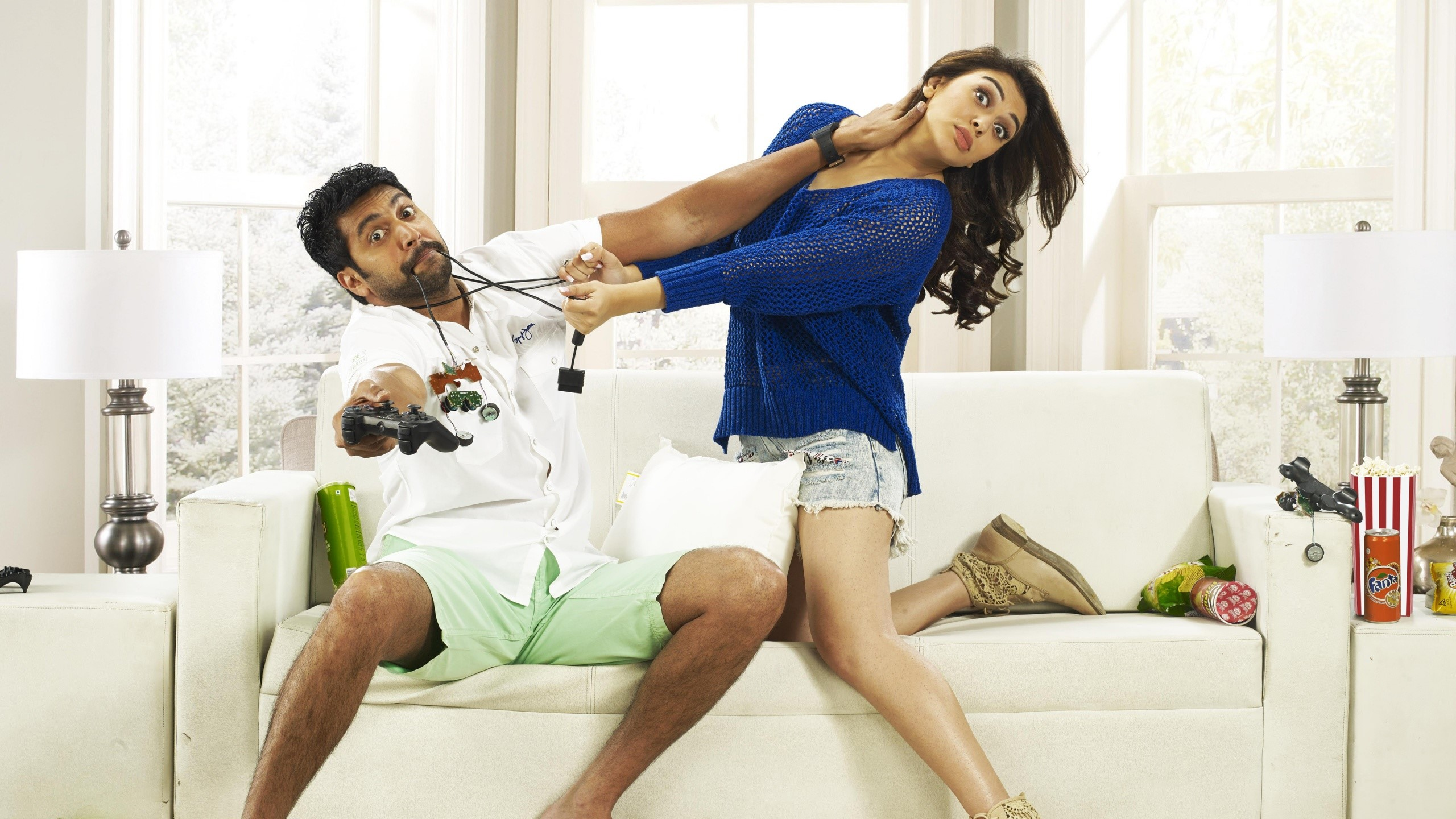 Fondo de pantalla de Jayam  Ravi y Hansika en Romeo Juliet Imágenes
