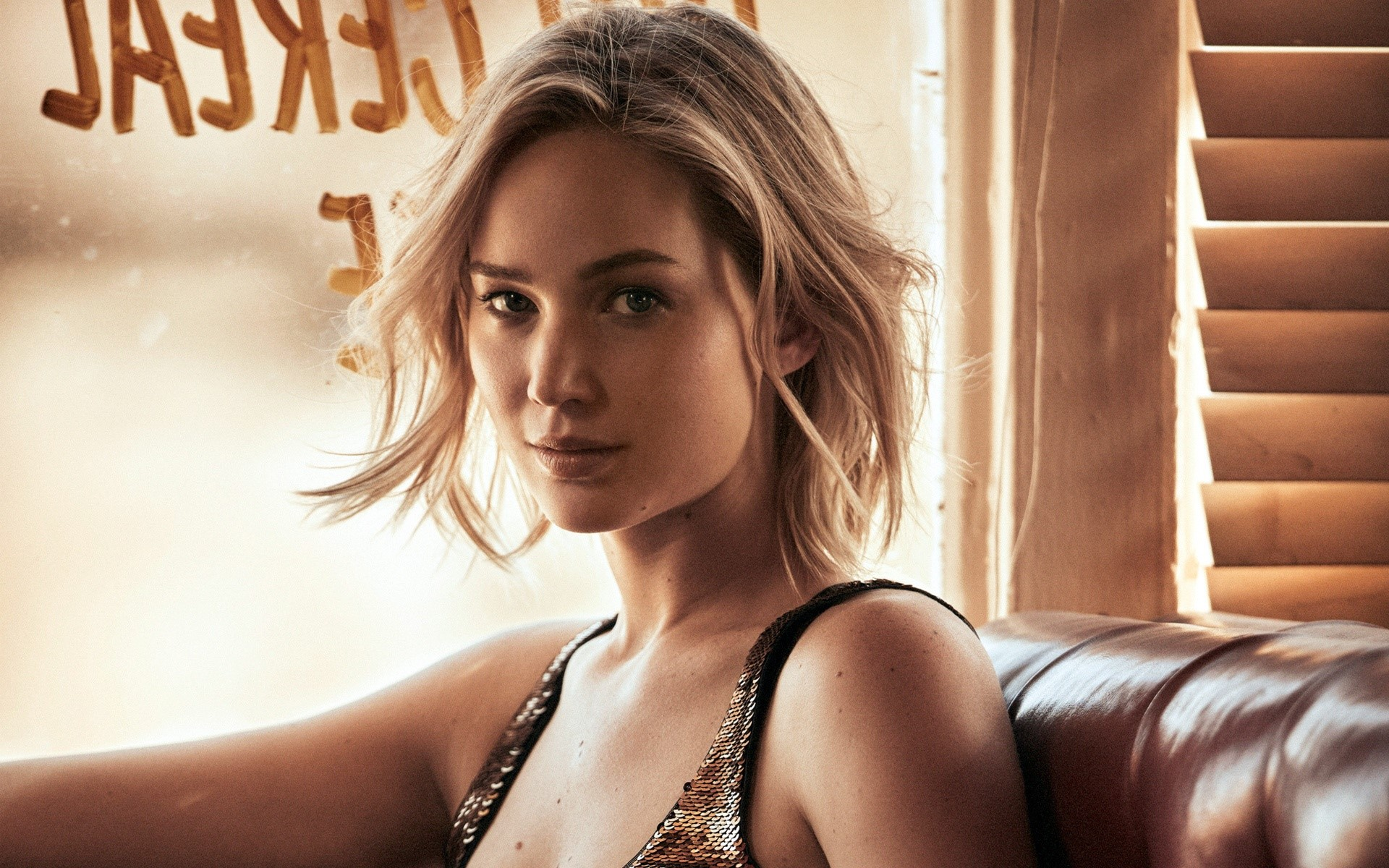 Wallpaper Jennifer Lawrence short hair