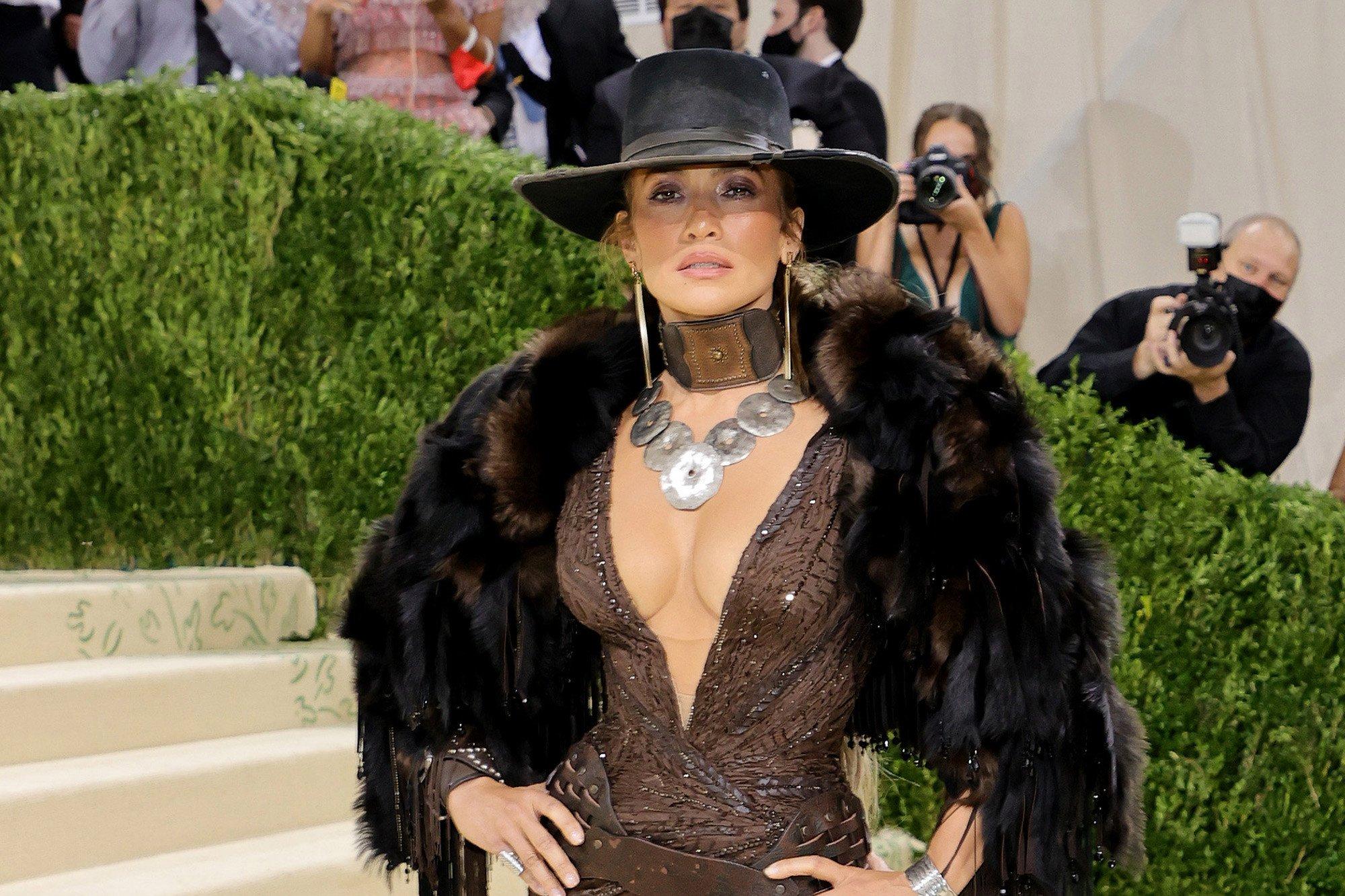 Fondos de pantalla Jennifer Lopez Met Gala 2021
