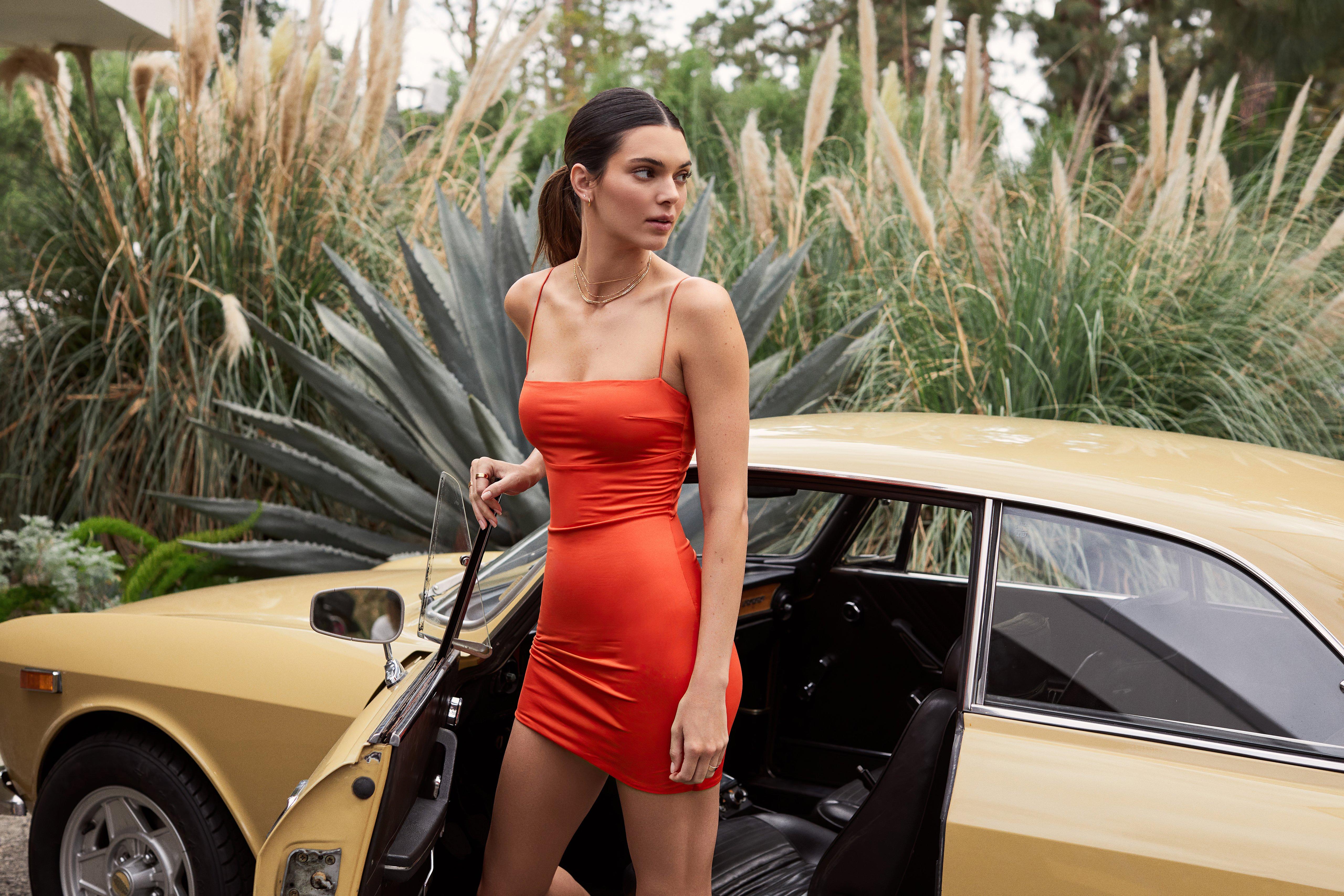 Fondos de pantalla Kendall Jenner Capsule Collection
