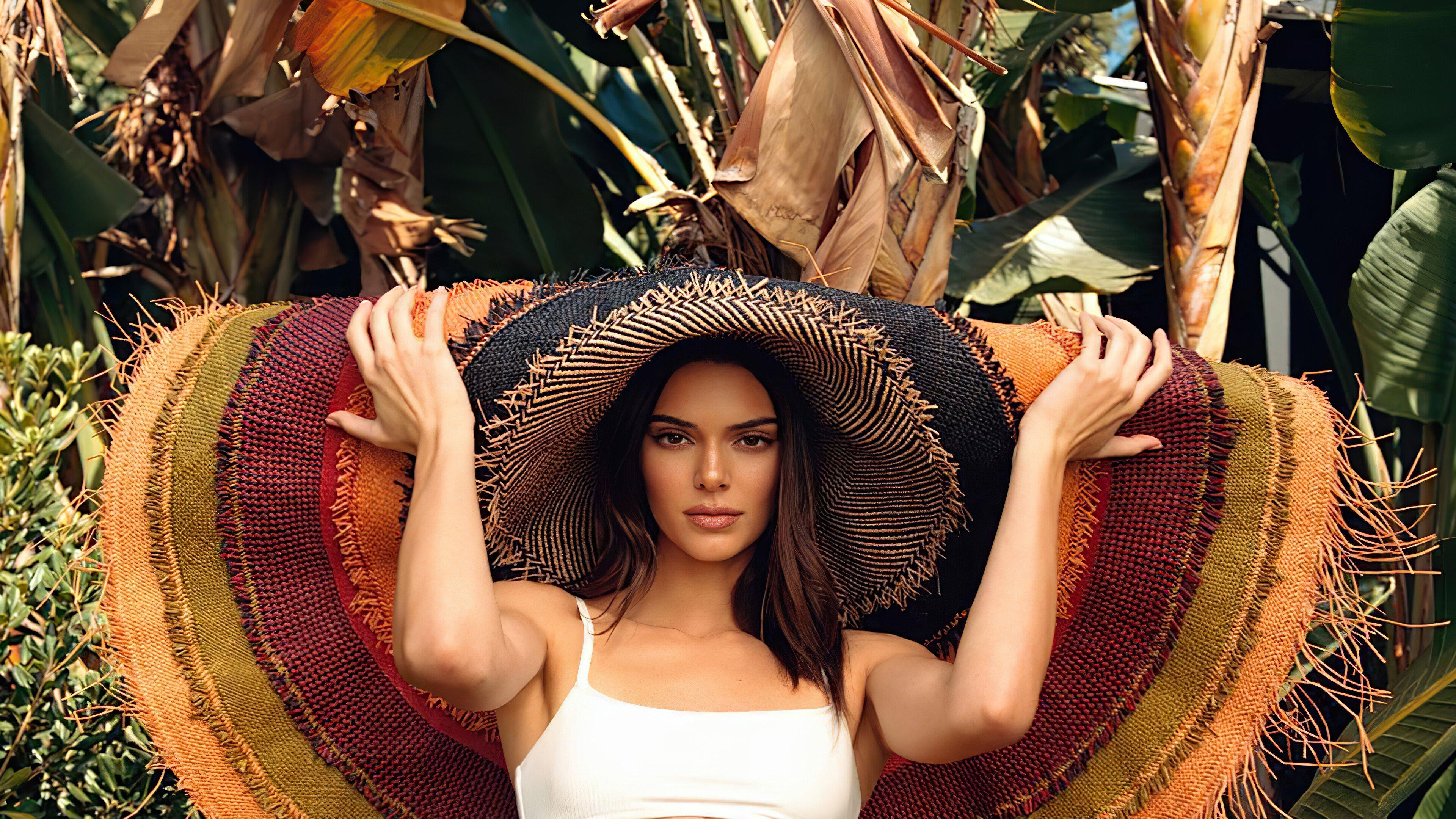 Wallpaper Kendall Jenner in photoshoot