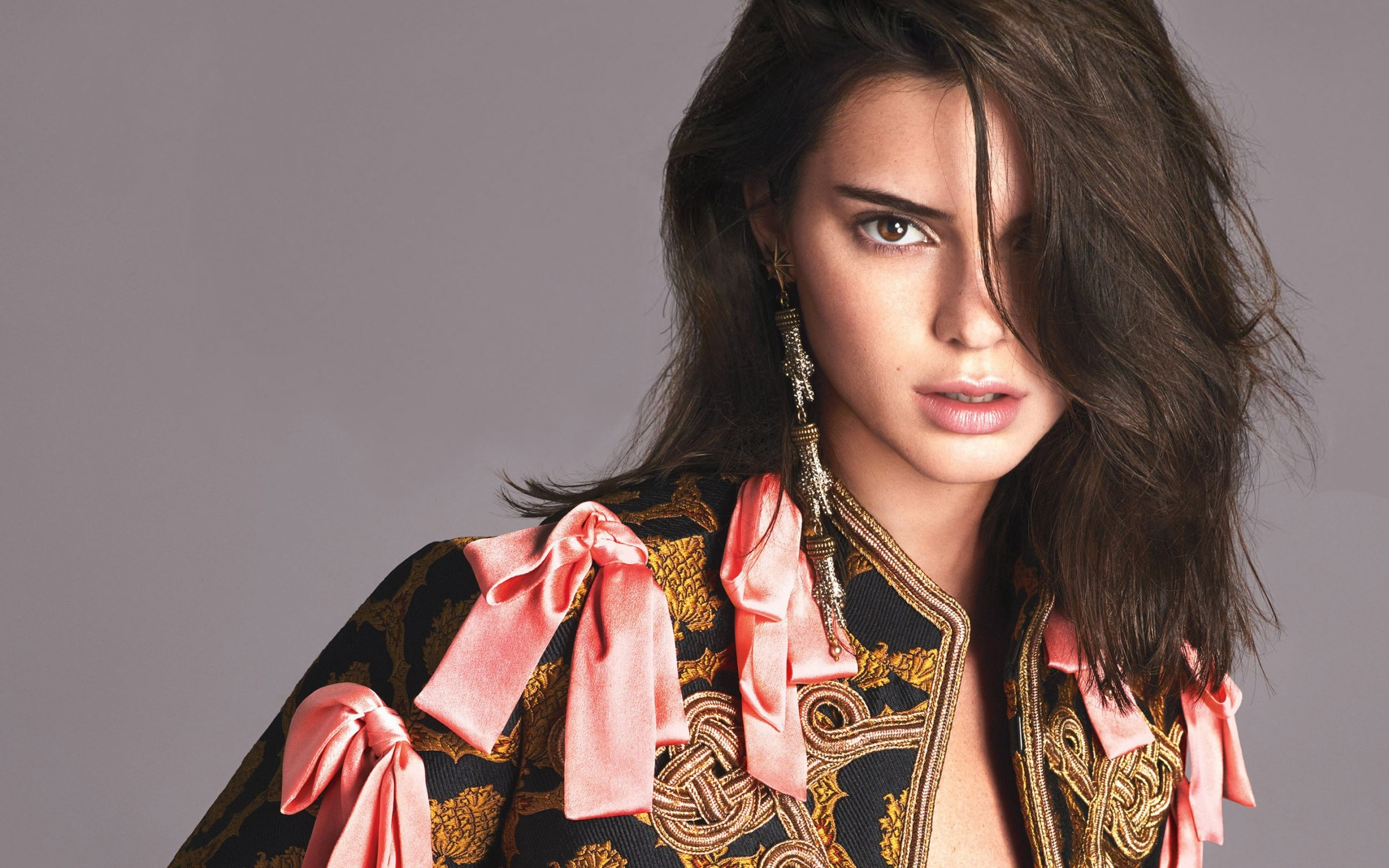 Wallpaper Kendall Jenner en US Vogue Images