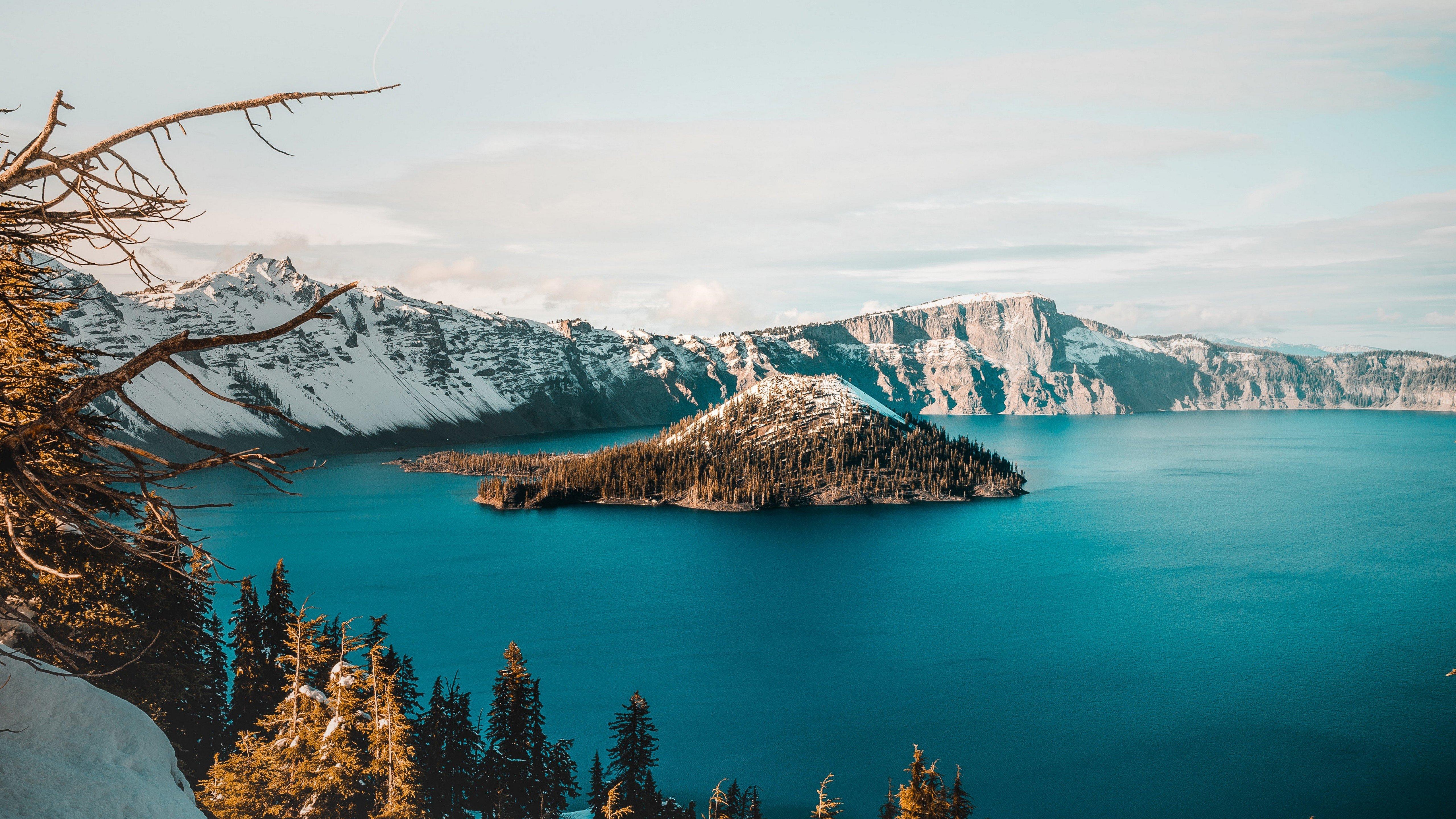 Wallpaper Lake in snowy mountains