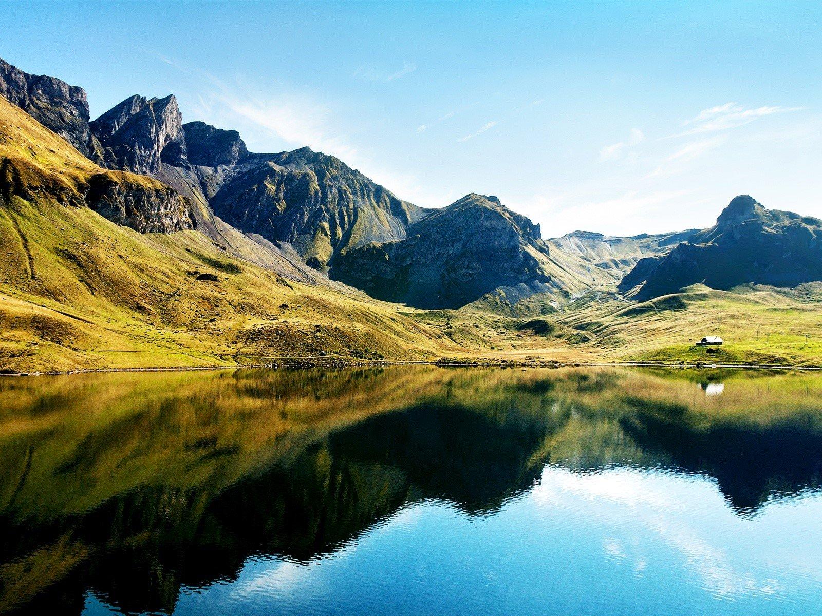 Wallpaper Lake in Switzerland