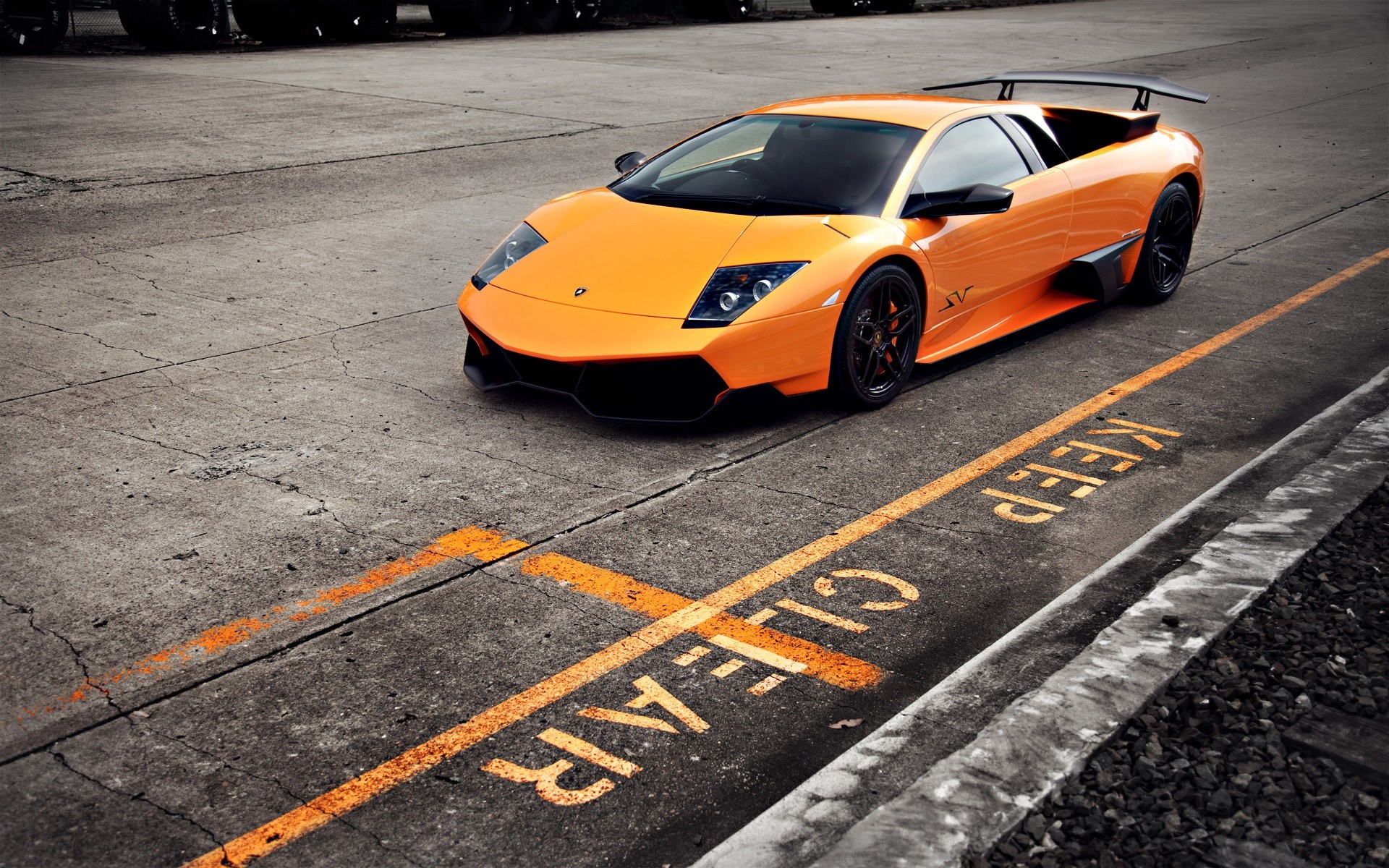Wallpaper Lamborghini murcielago LP670 4 SV 2 Images