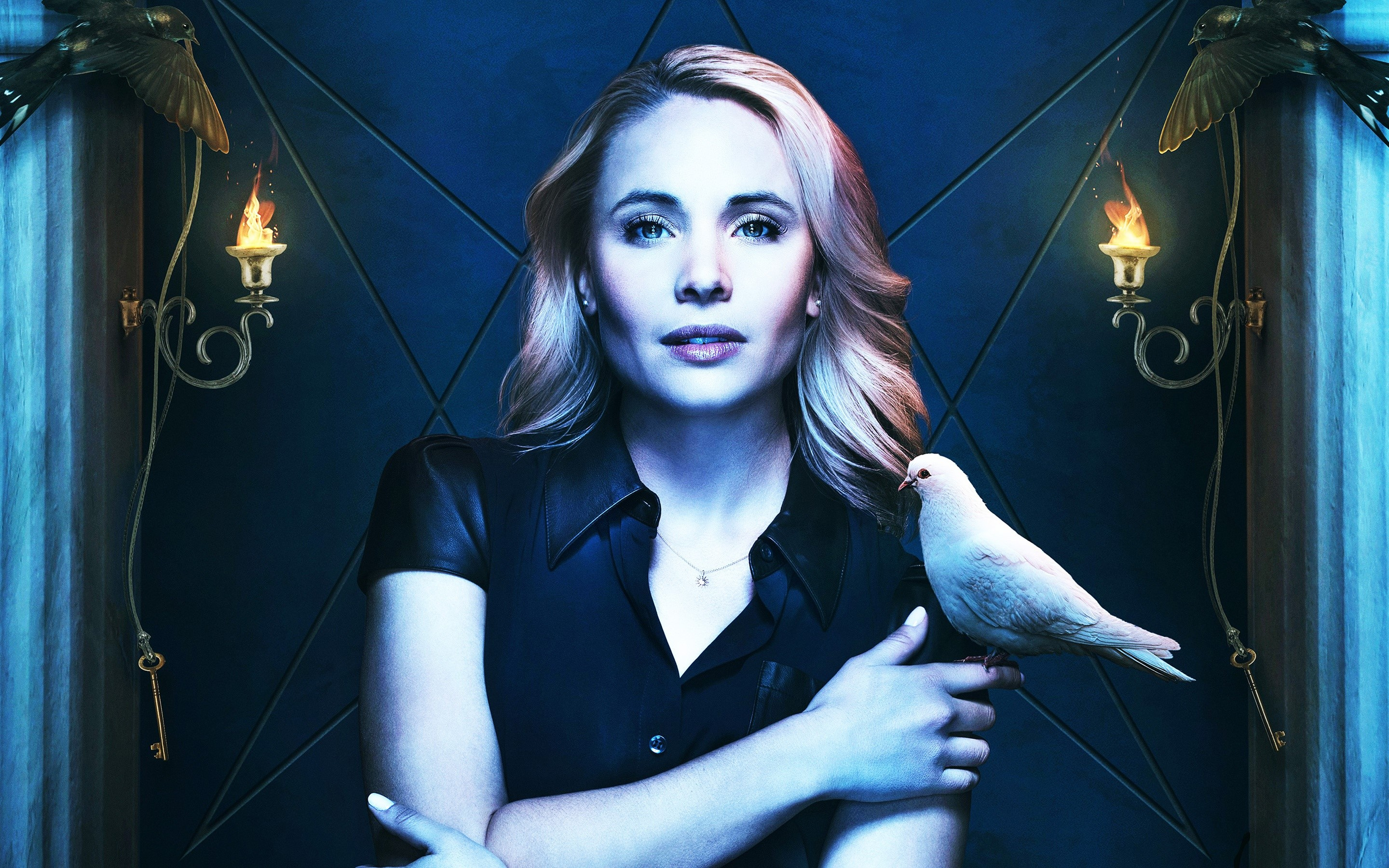 Wallpaper Leah Pipes as Cami in The Originals
