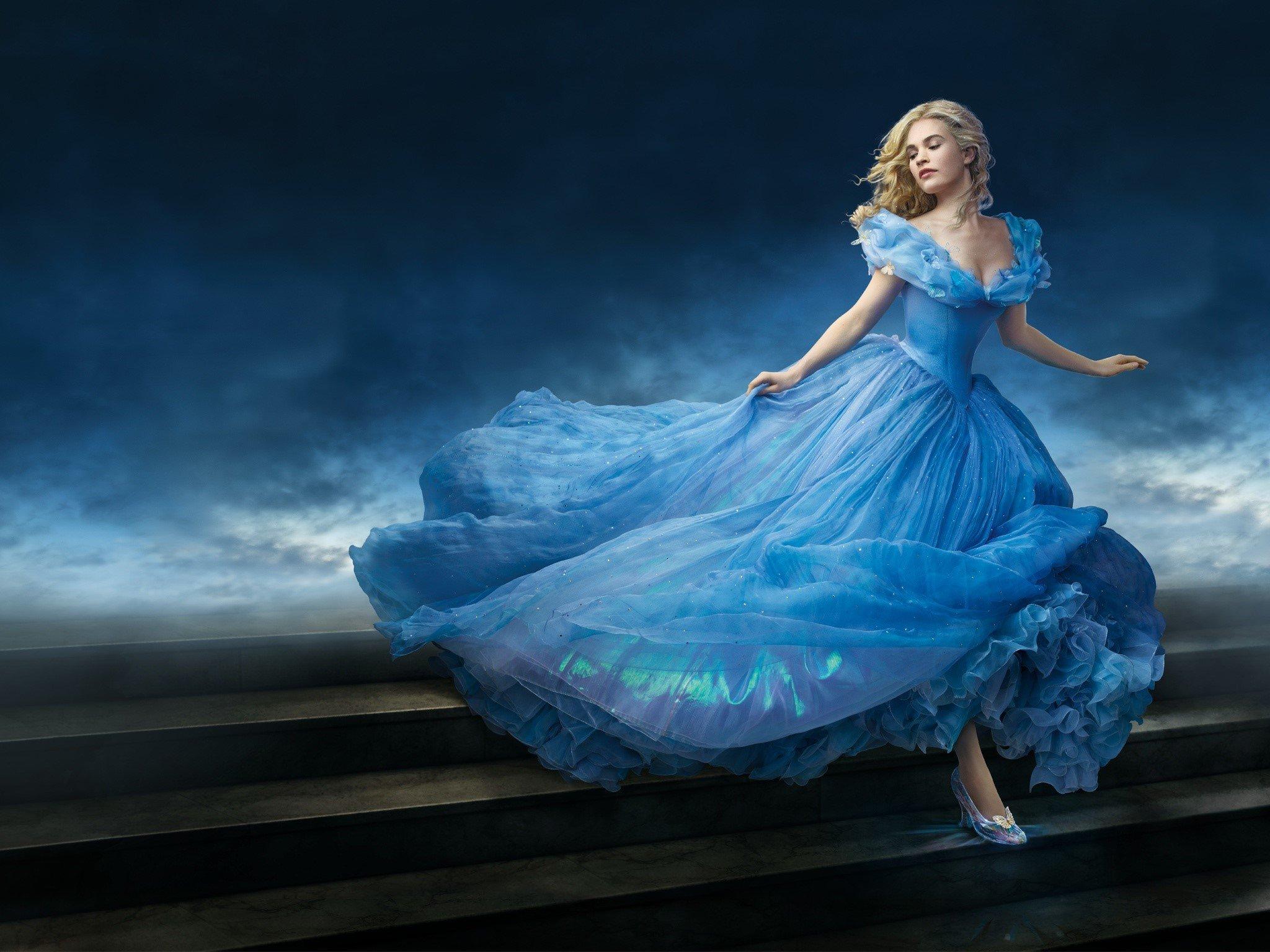 Fondos de pantalla Lily James como Cinderella