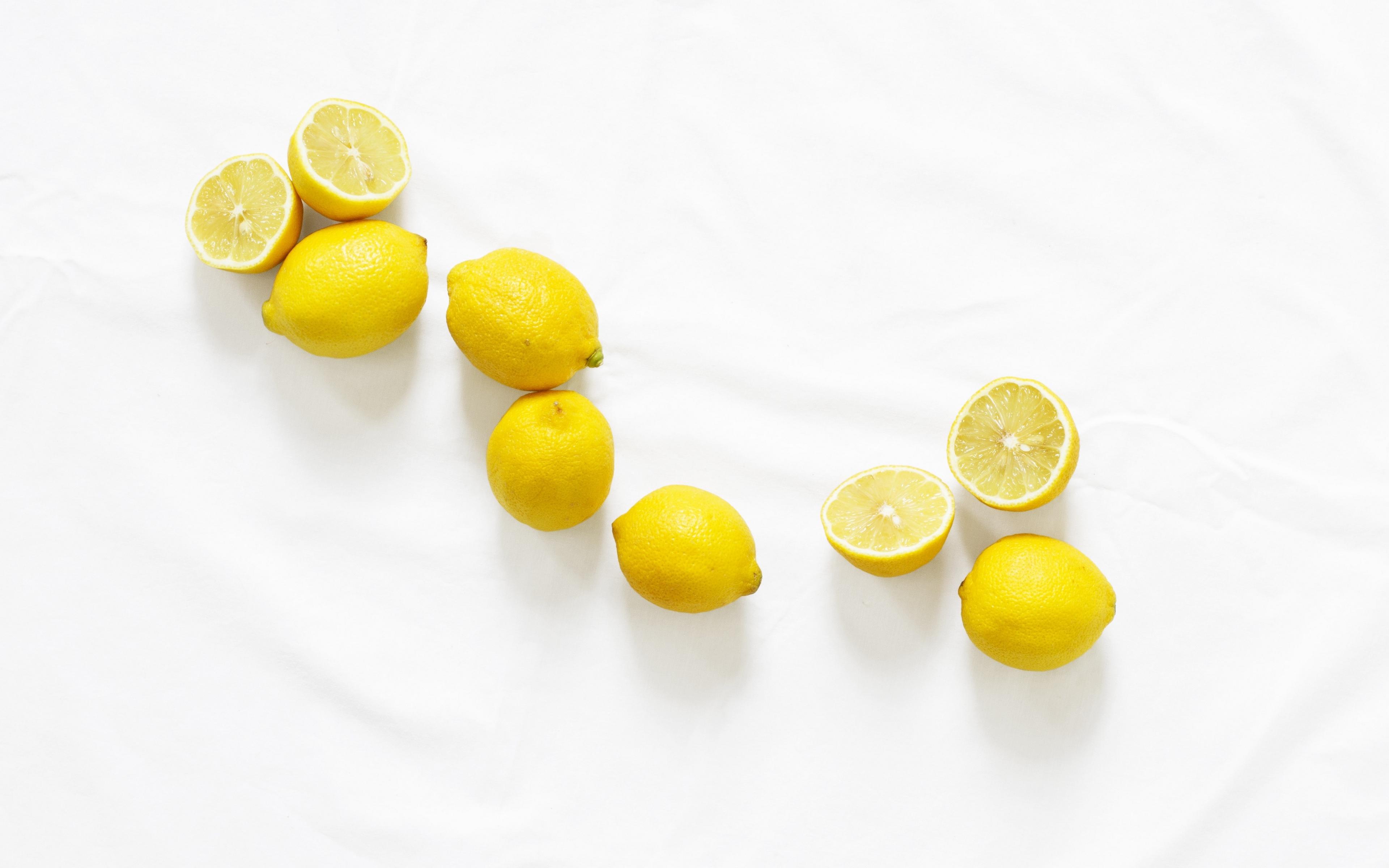 Fondos de pantalla Limones en fondo blanco