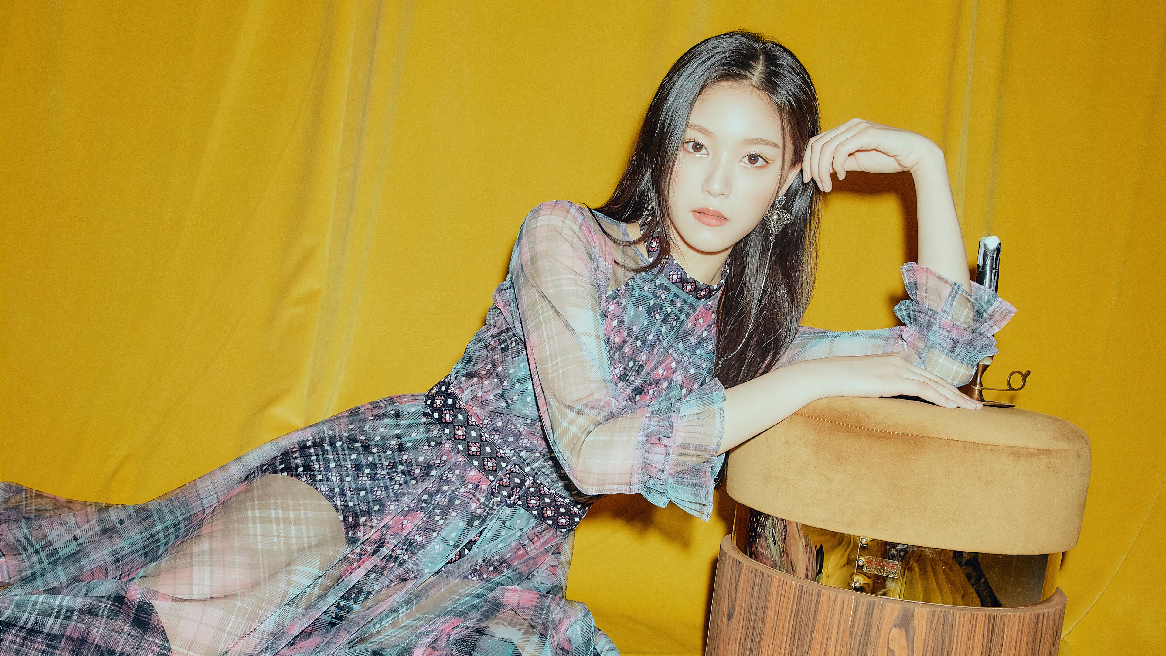 Fondos de pantalla LOONA Hyunjin Paint The Town