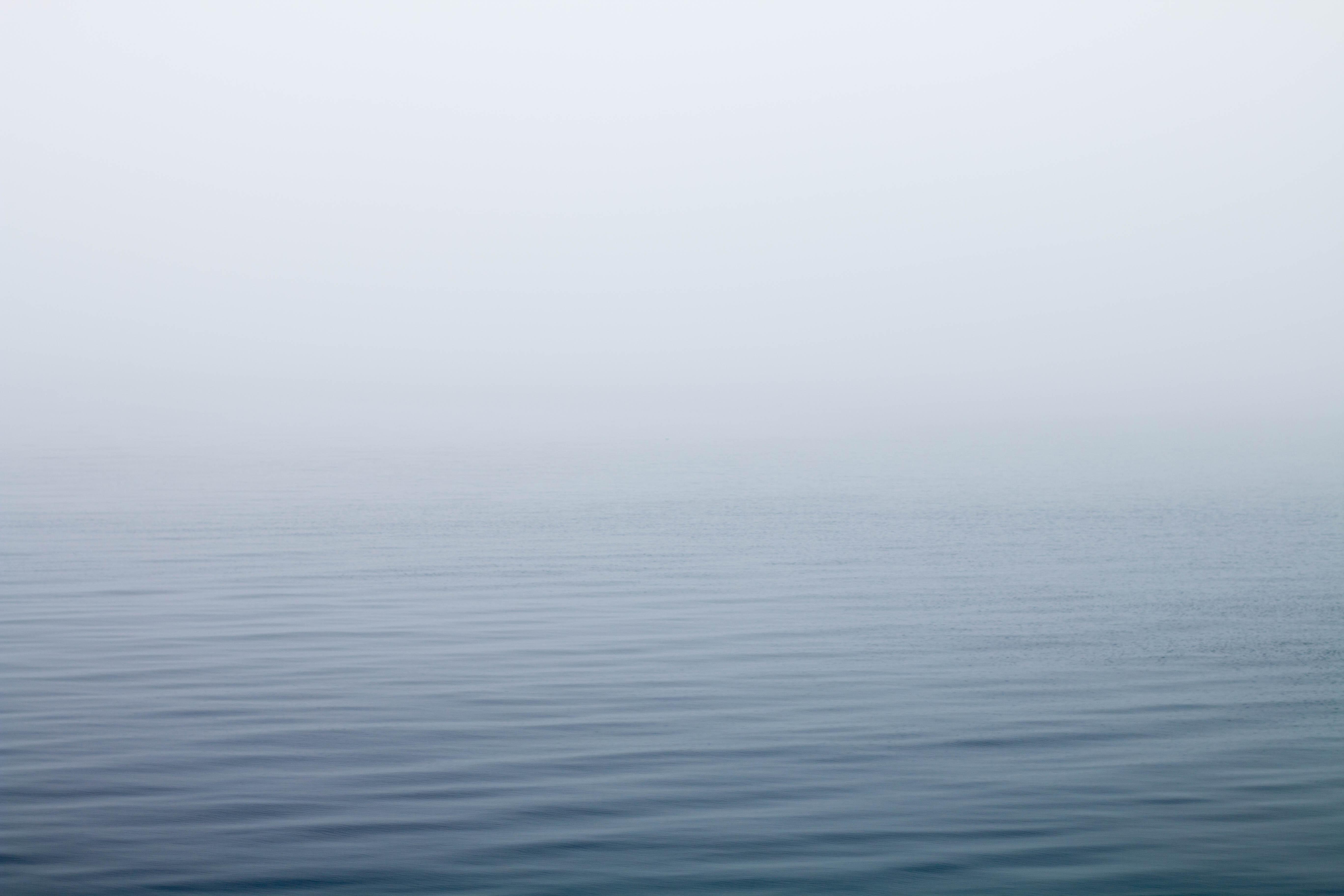 Wallpaper Ocean Under Fog