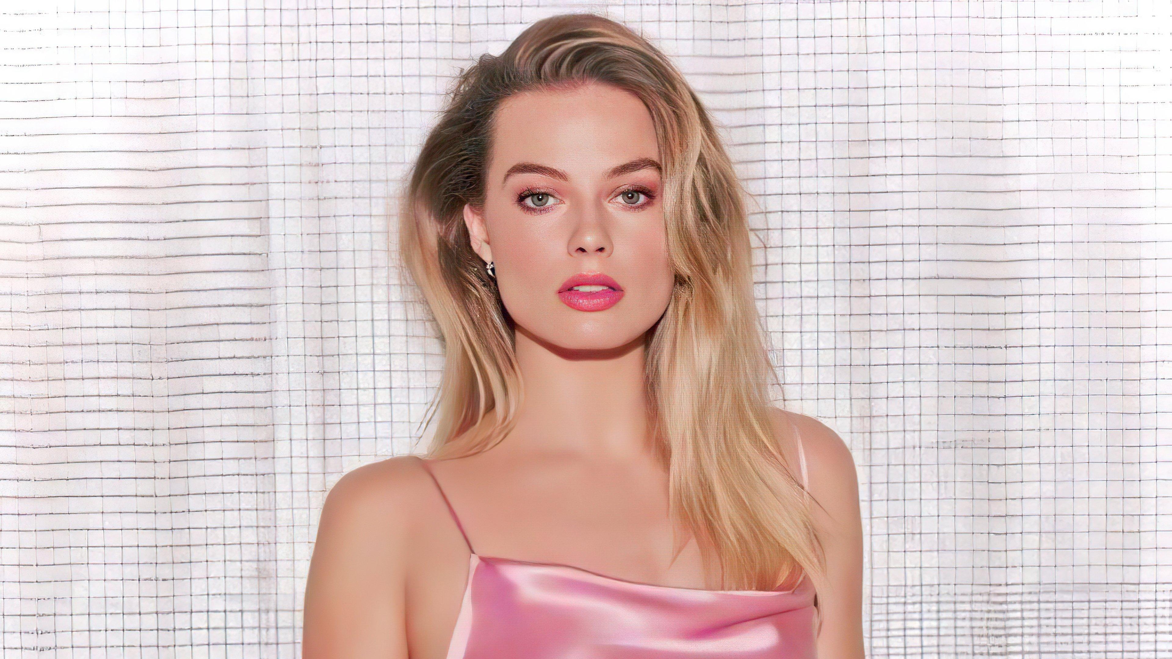 Wallpaper Margot Robbie in pink dress