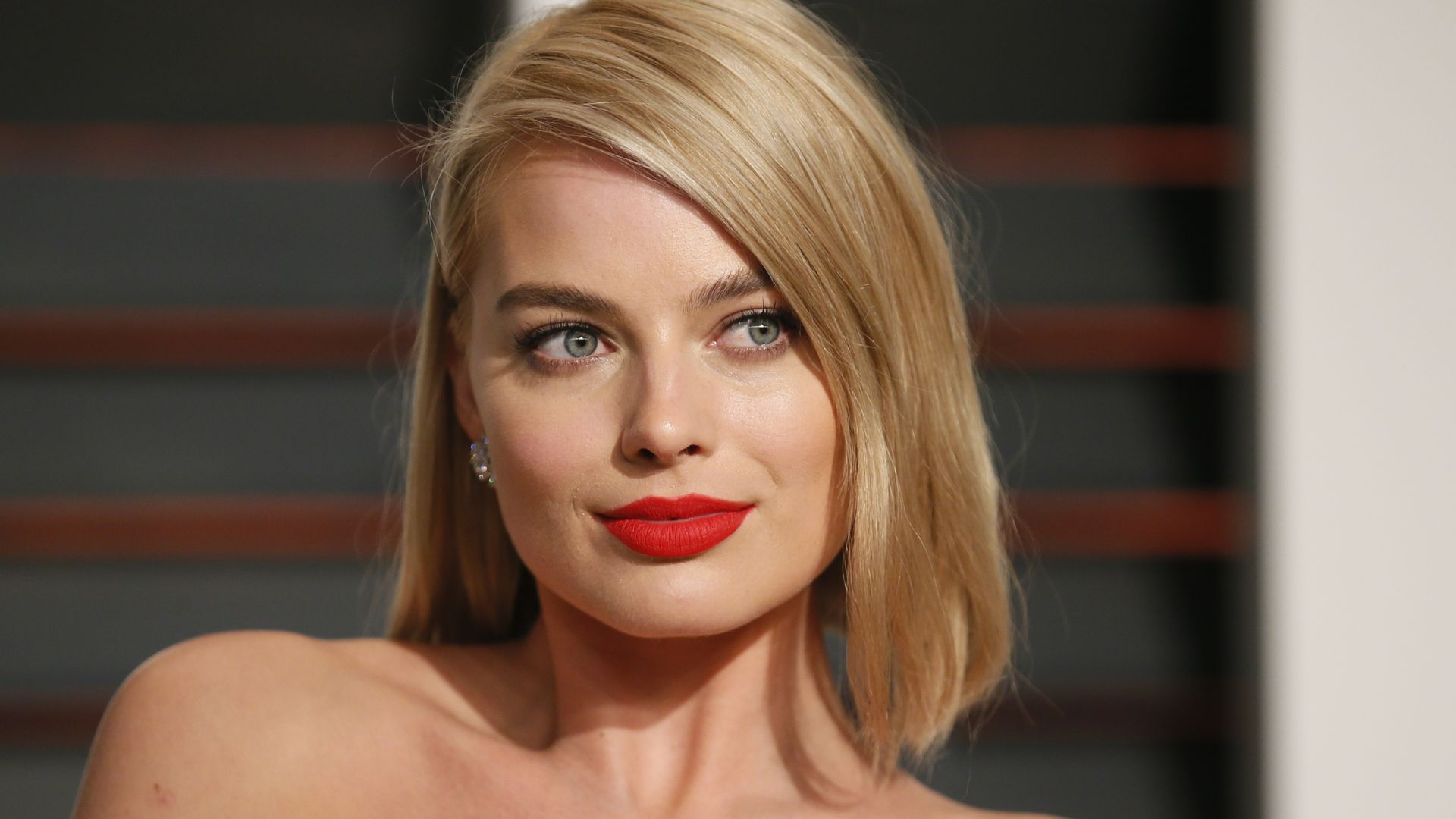 Fondos de pantalla Margot Robbie en alfombra roja