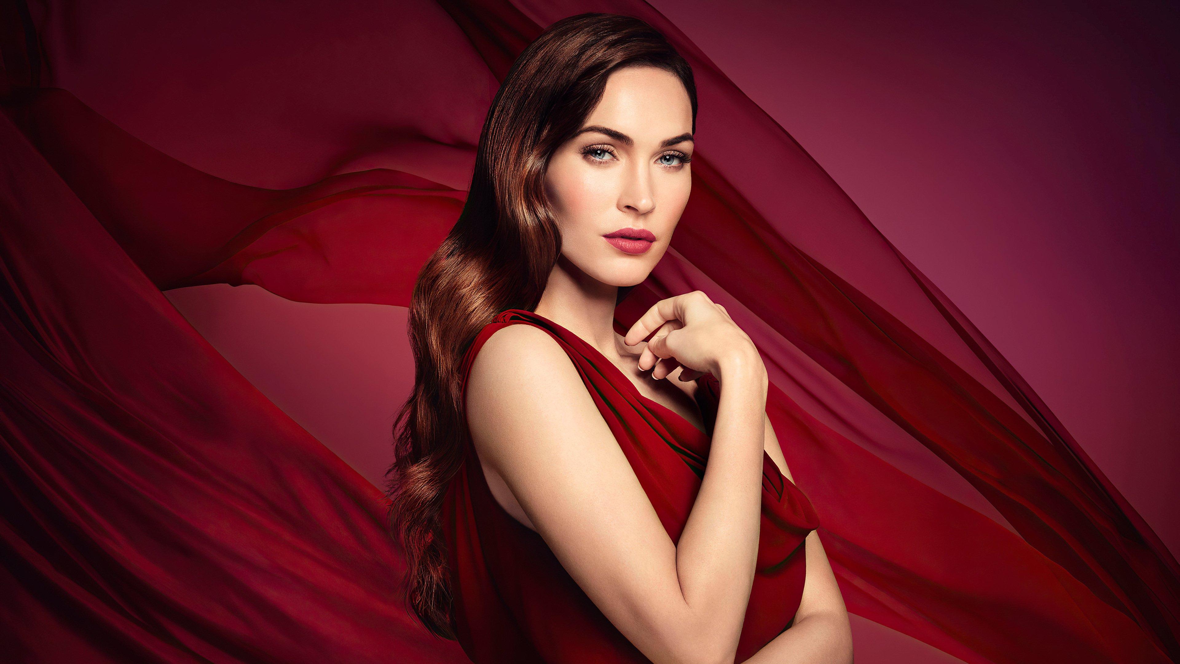 Fondos de pantalla Megan Fox Vestido Rojo