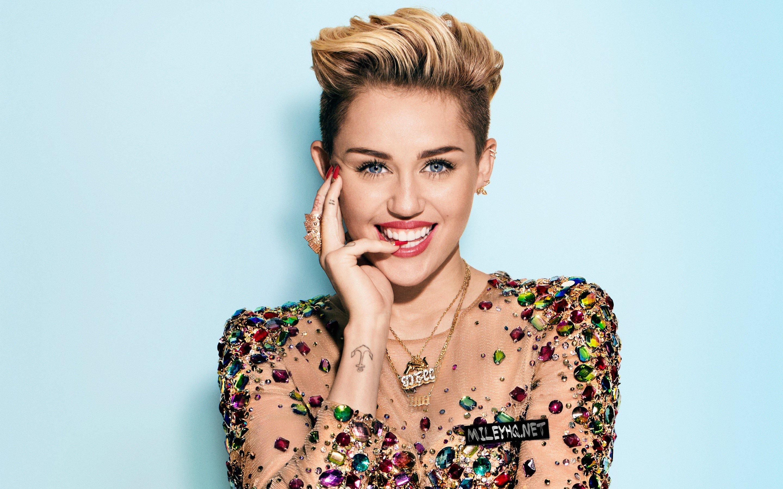 Fondos de pantalla Miley Cyrus rubia
