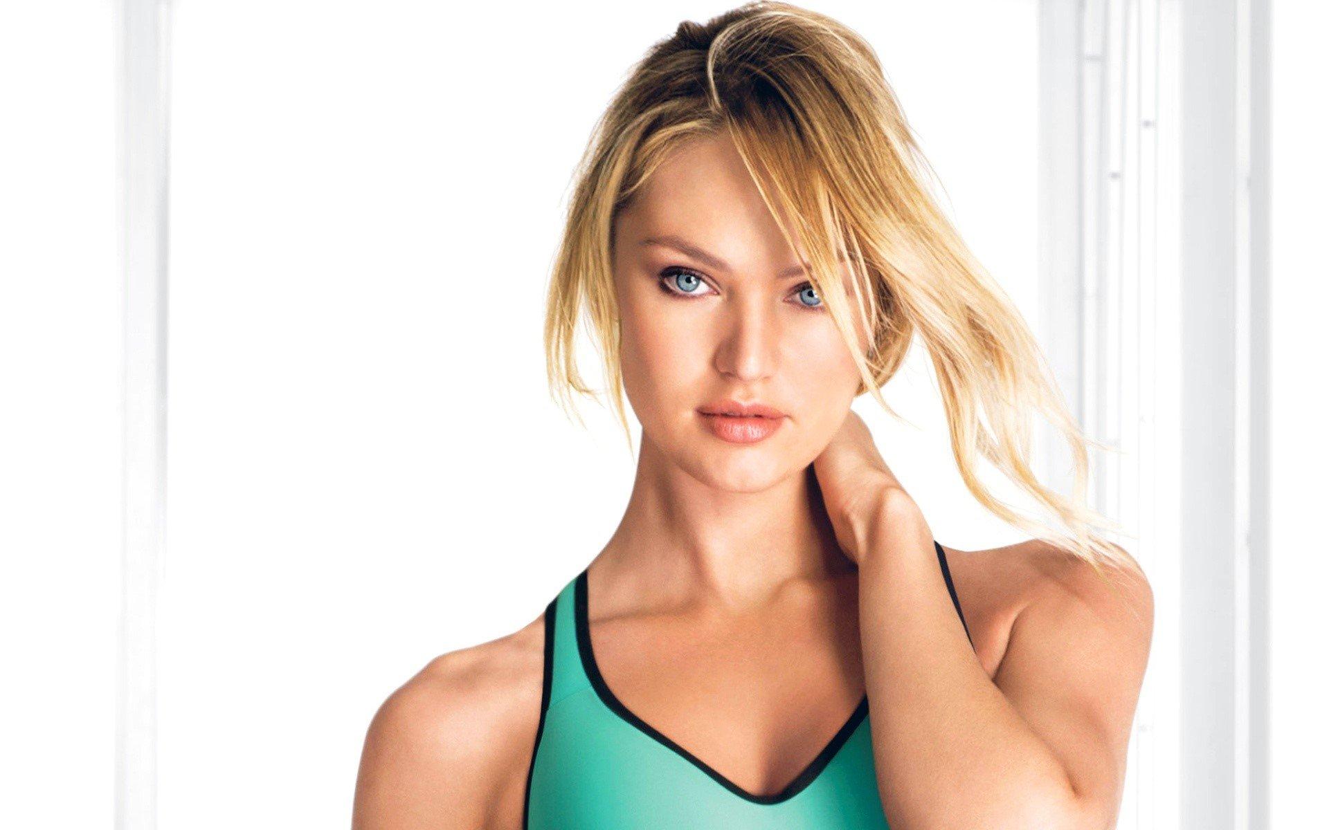 Wallpaper Model Candice Swanepoel disheveled