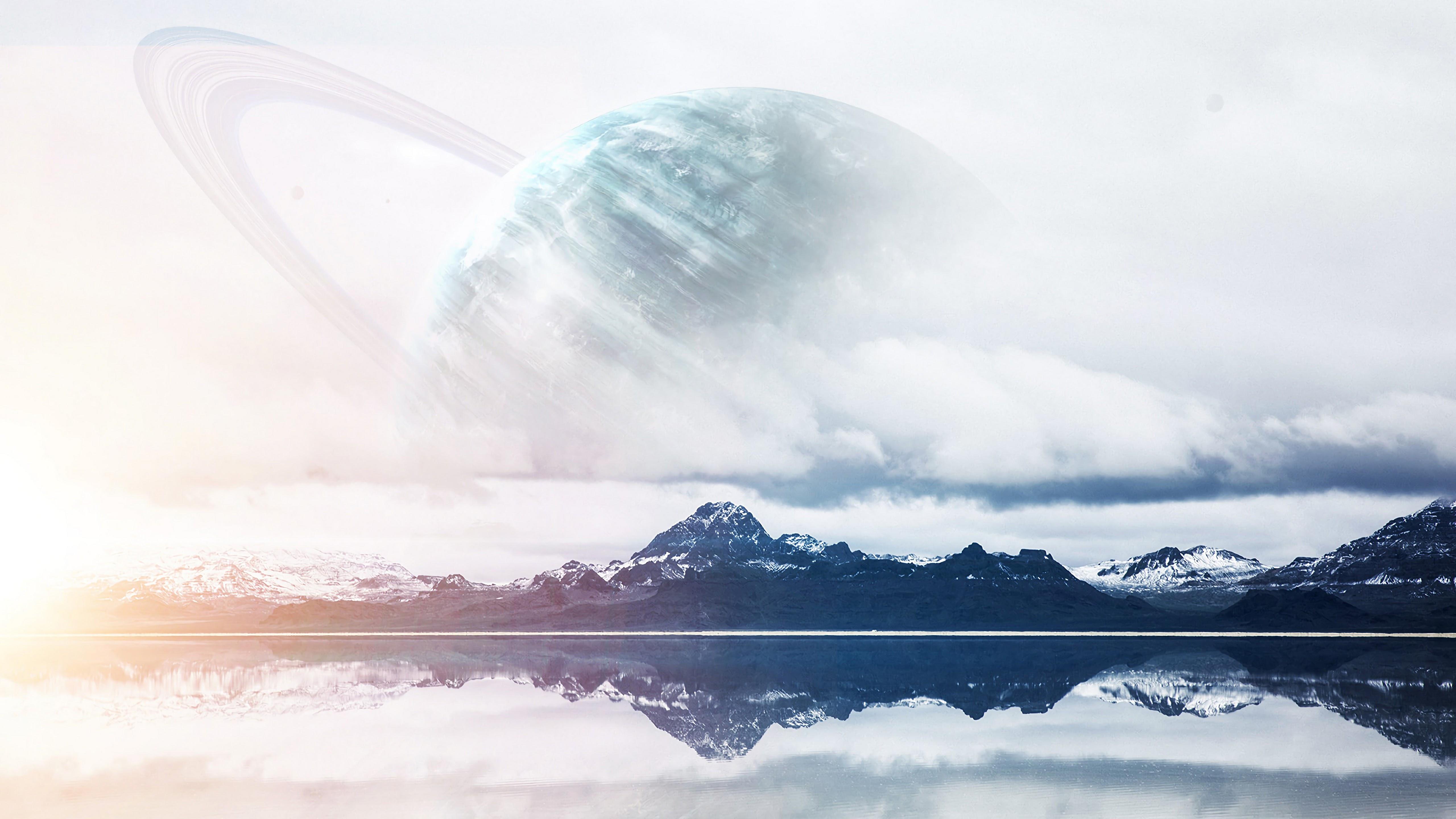 Fondos de pantalla Montañas con planeta de fondo neblina