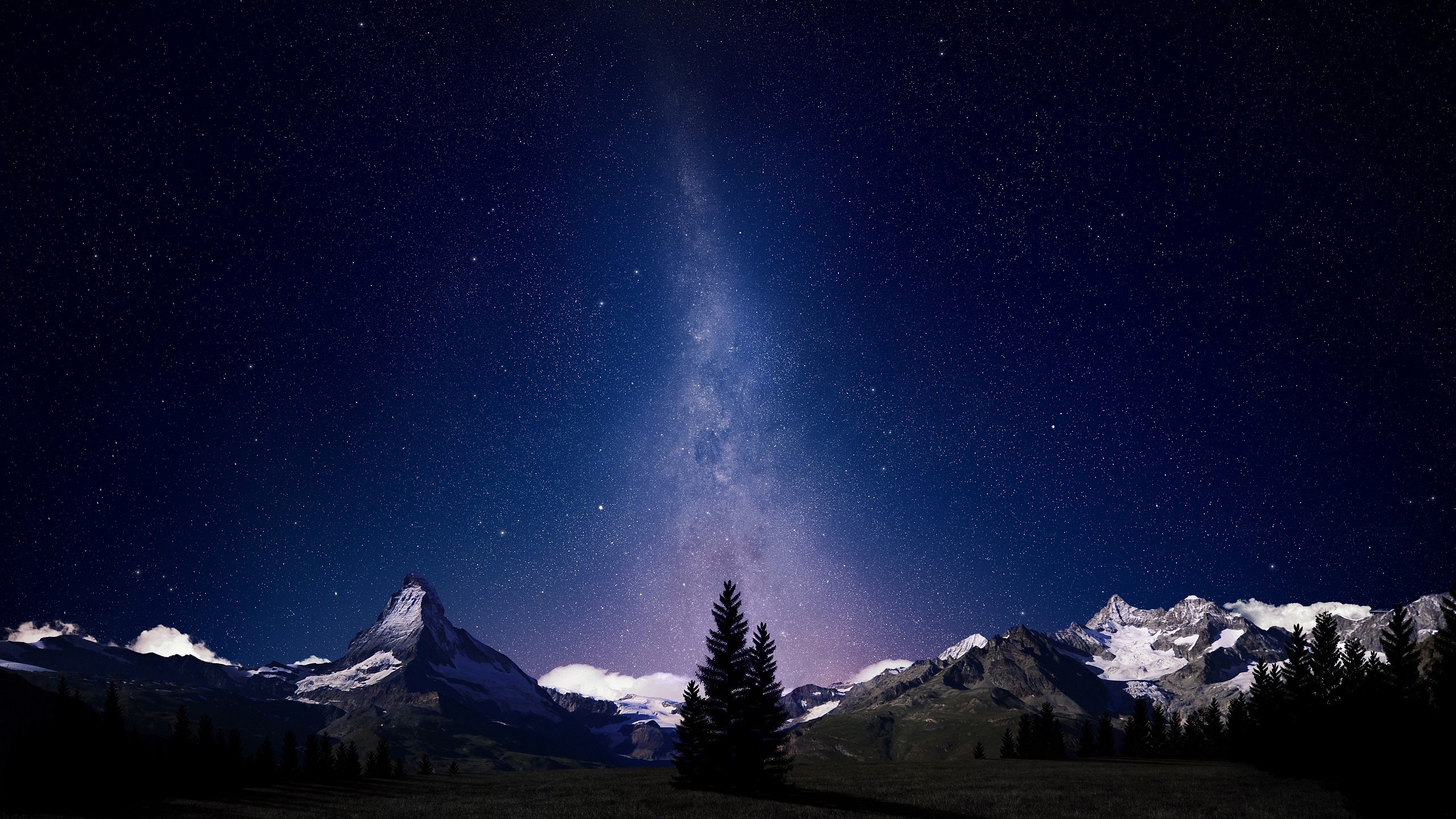 Fondos de pantalla Montañas de noche y estrellas
