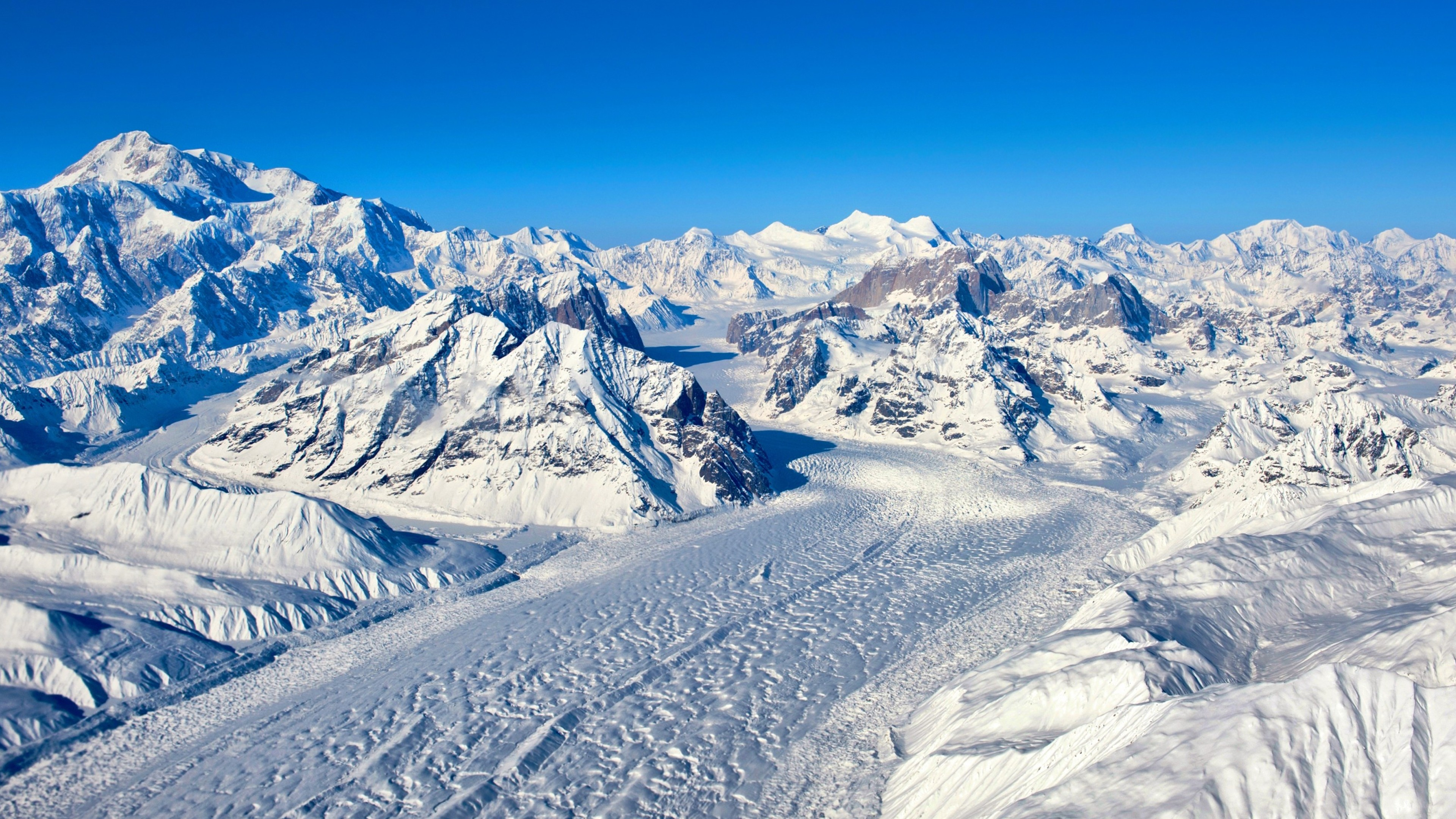 Wallpaper Snowy mountains
