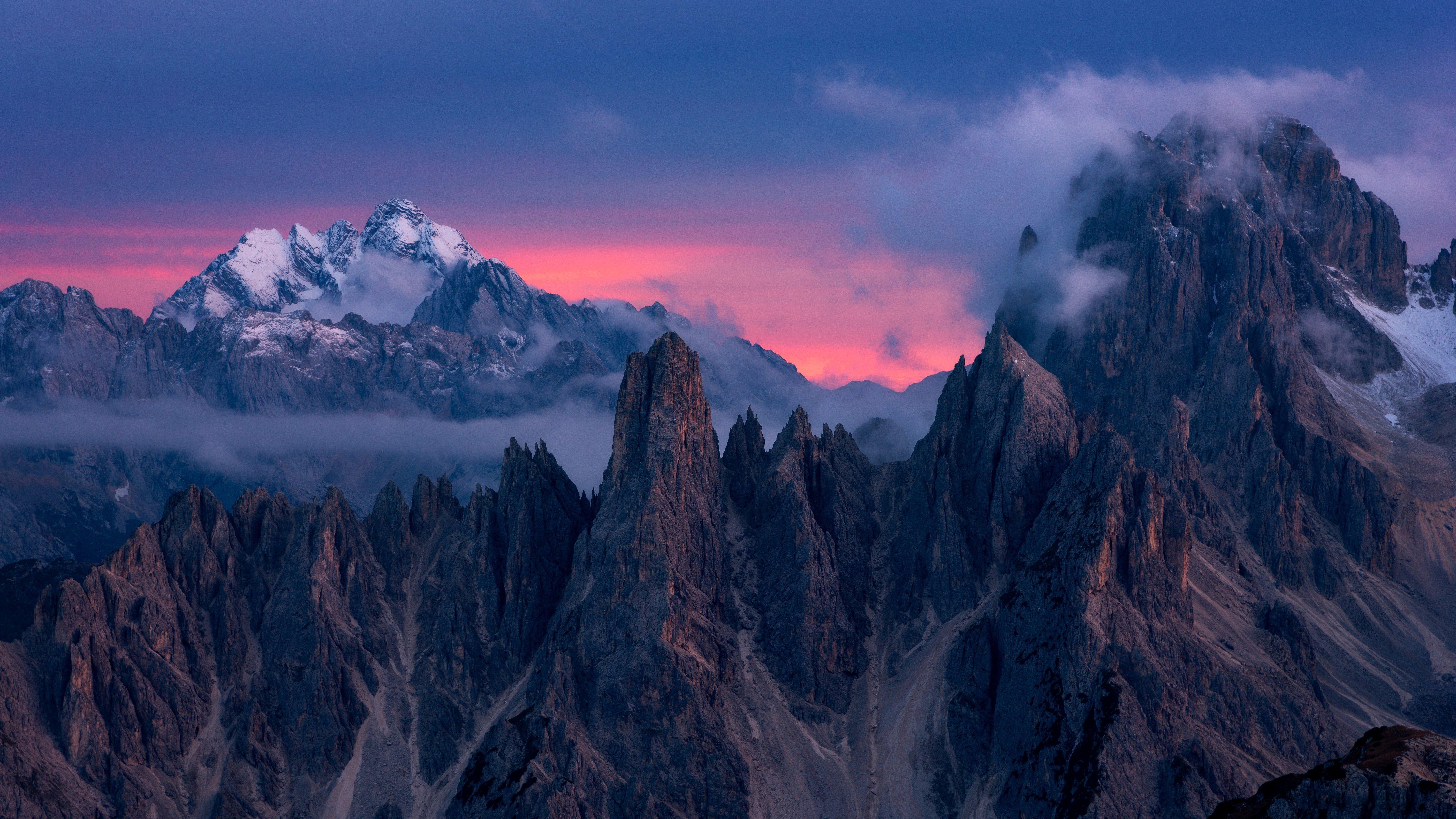 Fondos de pantalla Nubes sobre las montañas