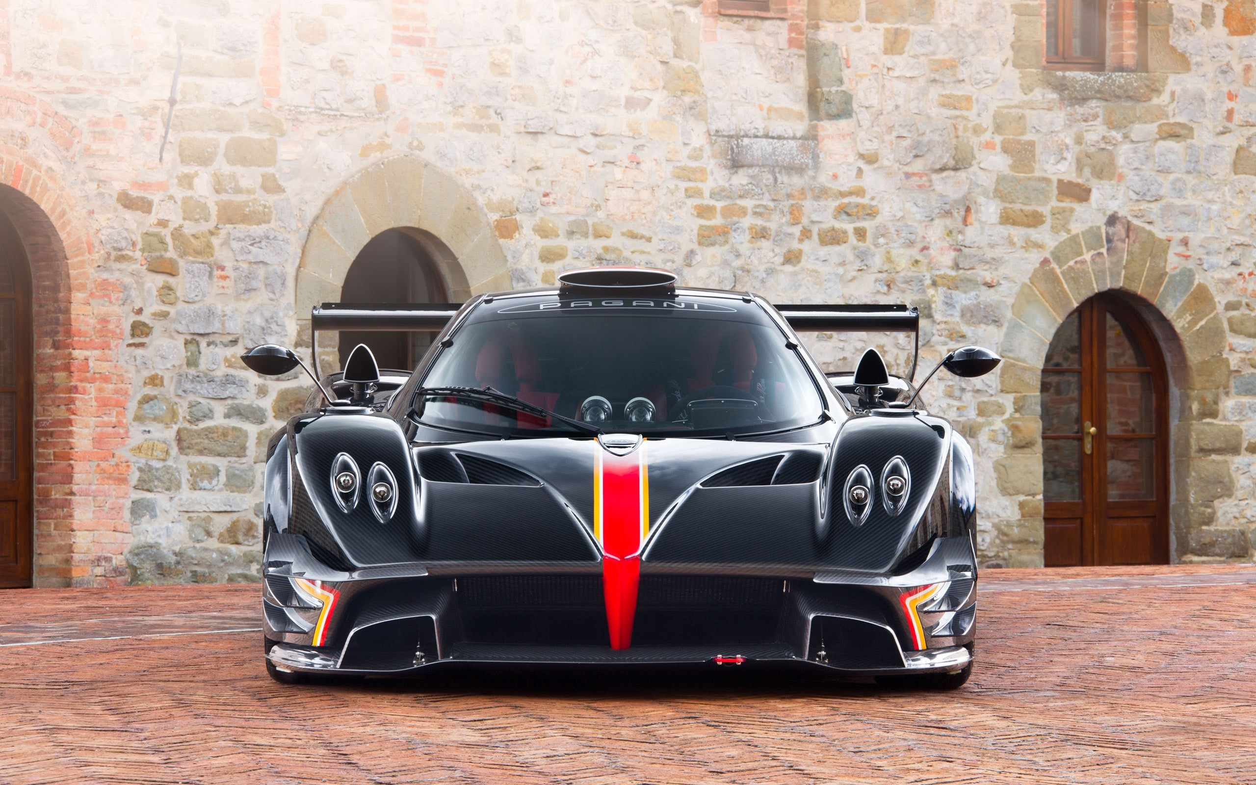 Wallpaper Pagani Zonda Revolution