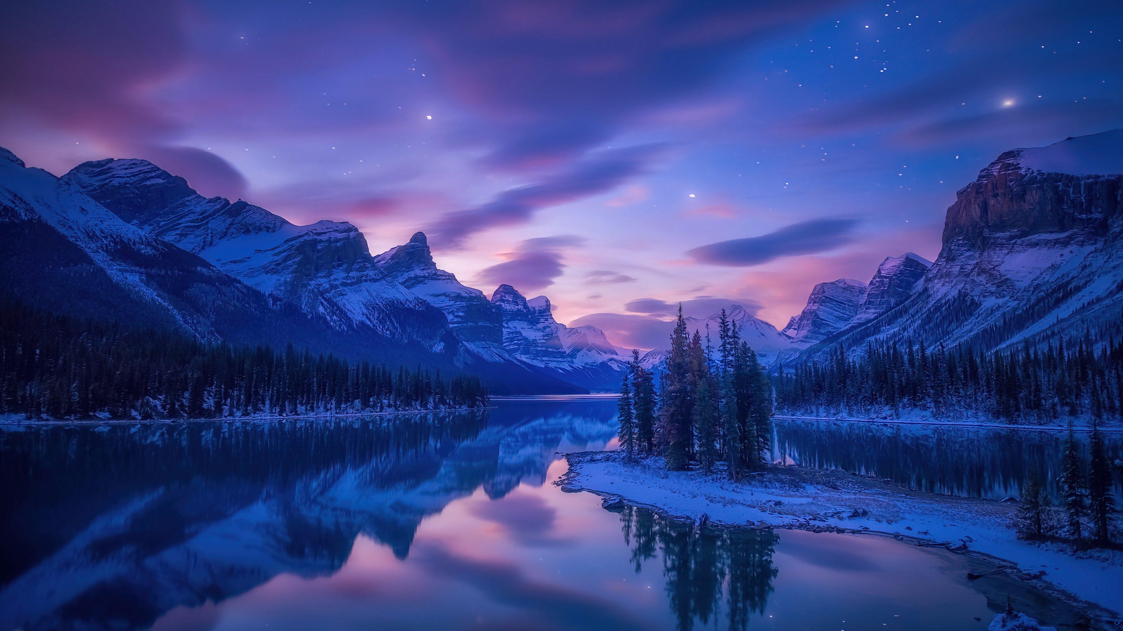 Fondos de pantalla Paisaje de lago en las montañas al amanecer