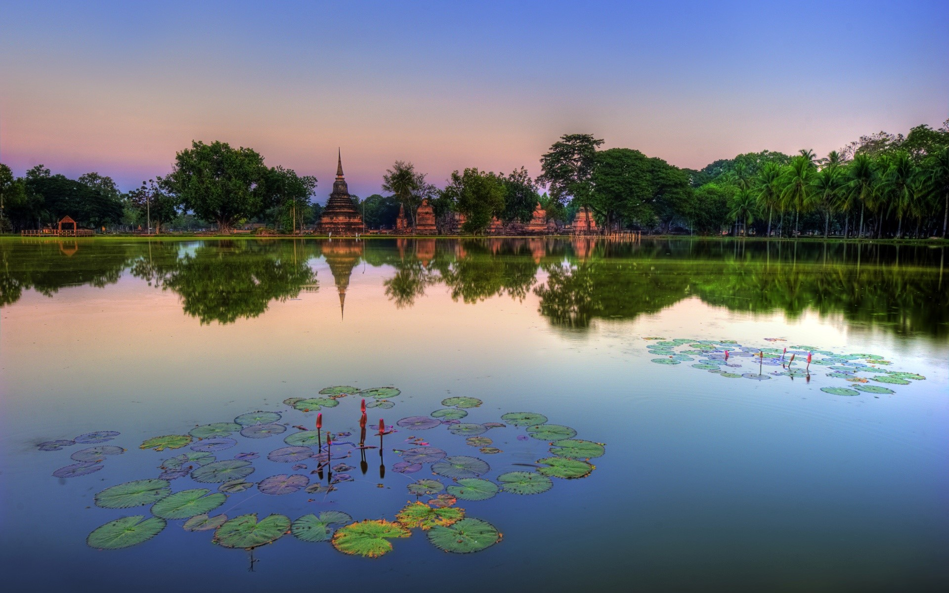 Wallpaper Sukhothai Historical Park in Thailand