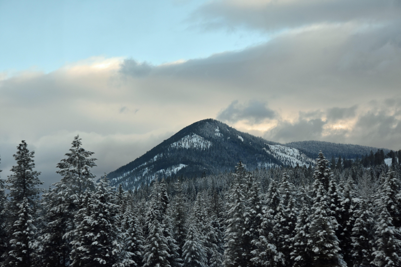 Wallpaper Peak of mountain in the winter