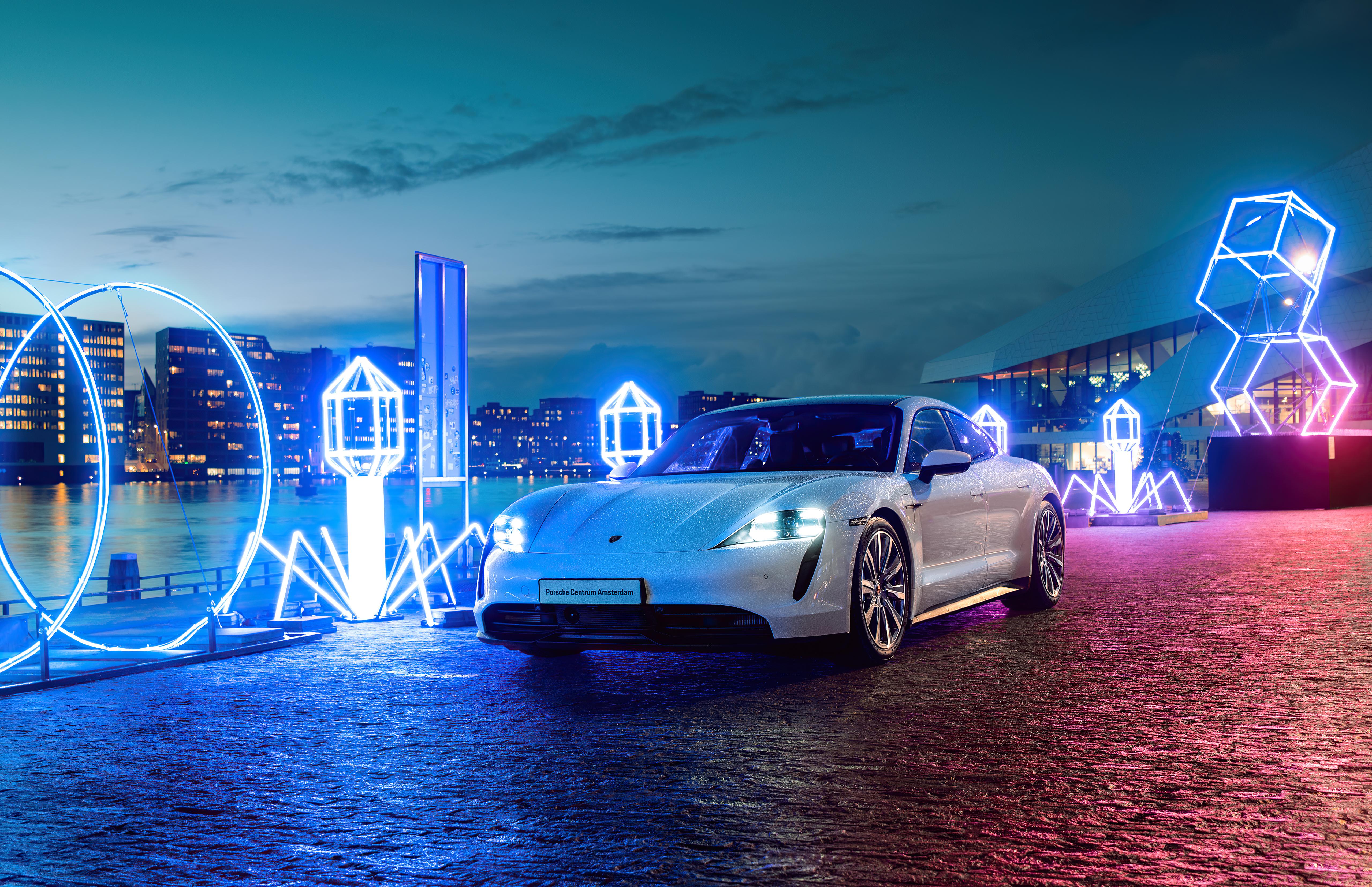 Wallpaper Porsche Taycan