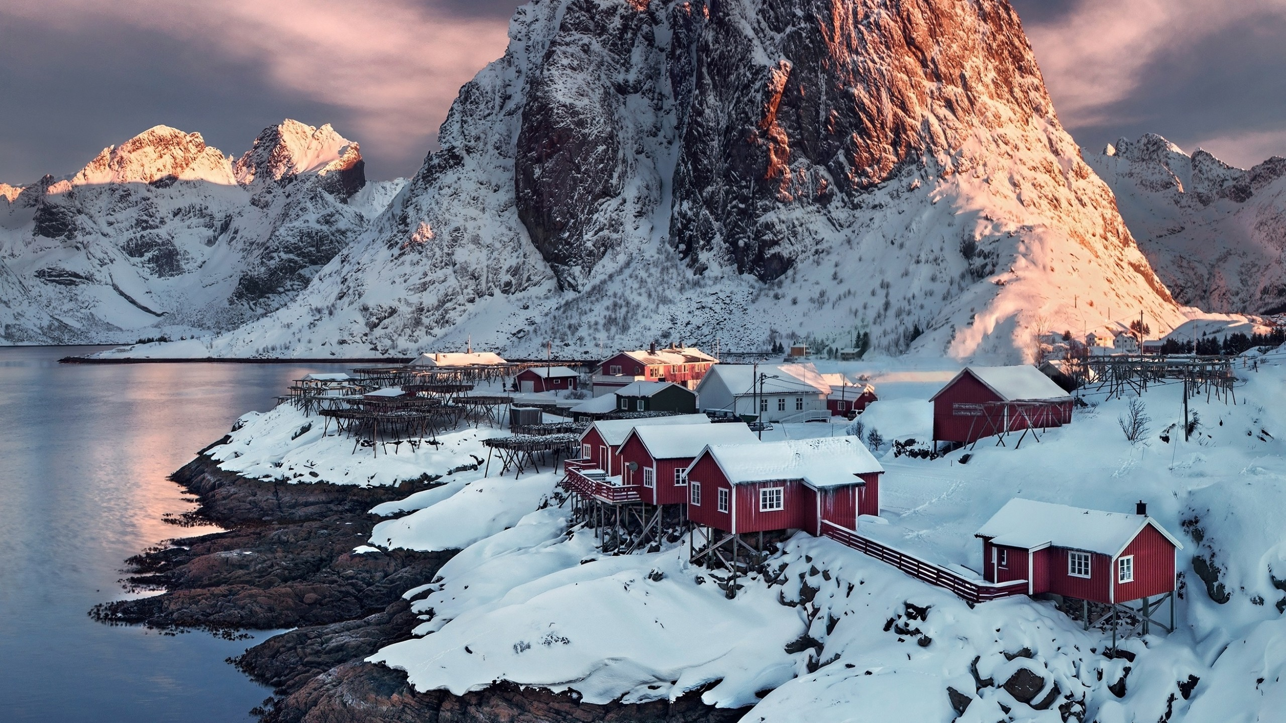 Wallpaper Village in Hamnoy Norway at sunset