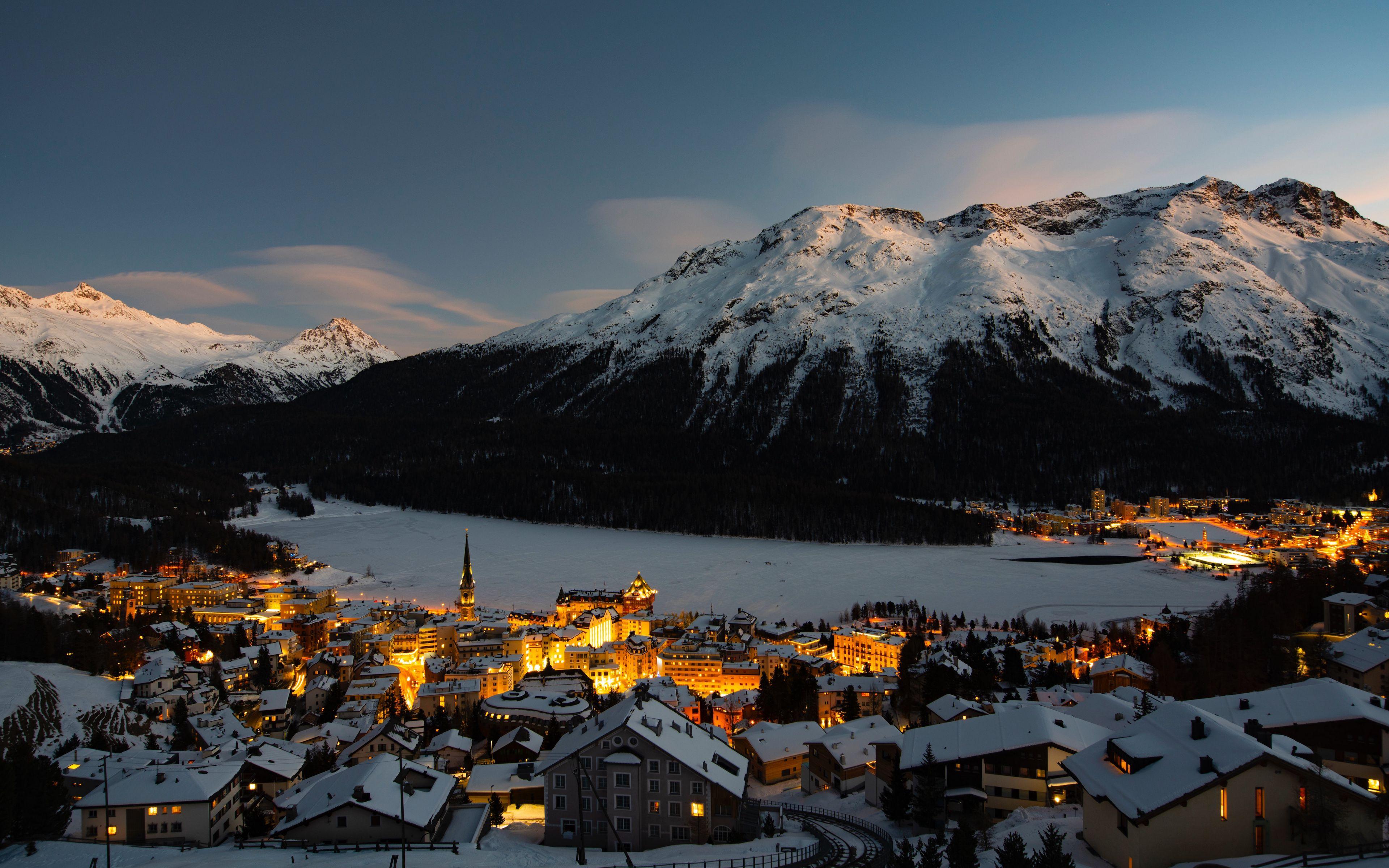 Fondos de pantalla Pueblo en invierno en montañas