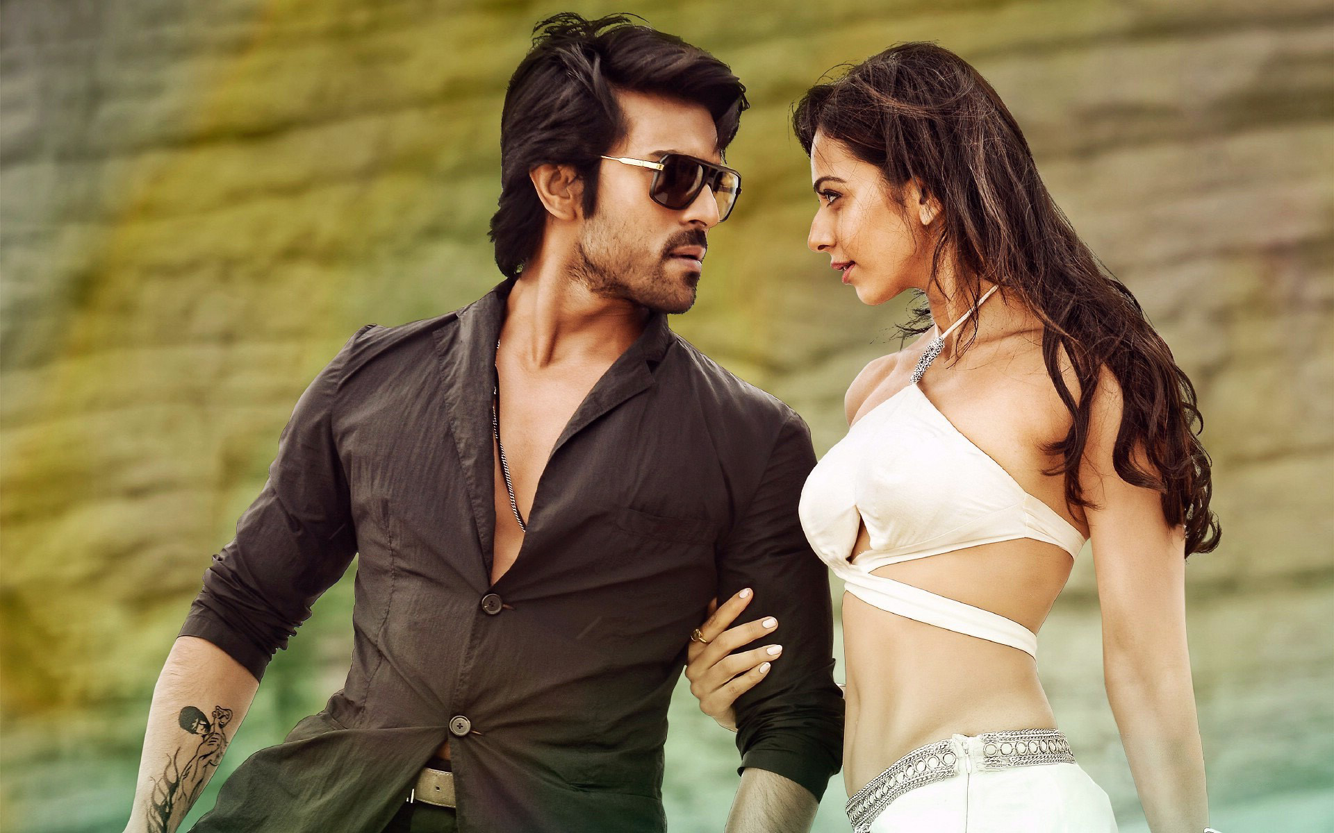 Wallpaper Ram Charan and Rakul Preet in Bruce Lee