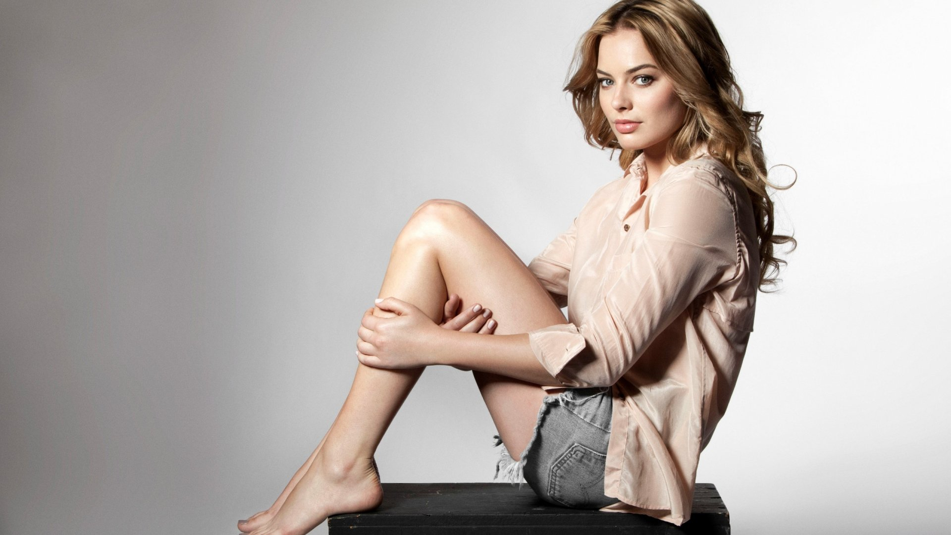 Actriz Margot Robbie Castaña Fondo De Pantalla 2k Quad Hd Id