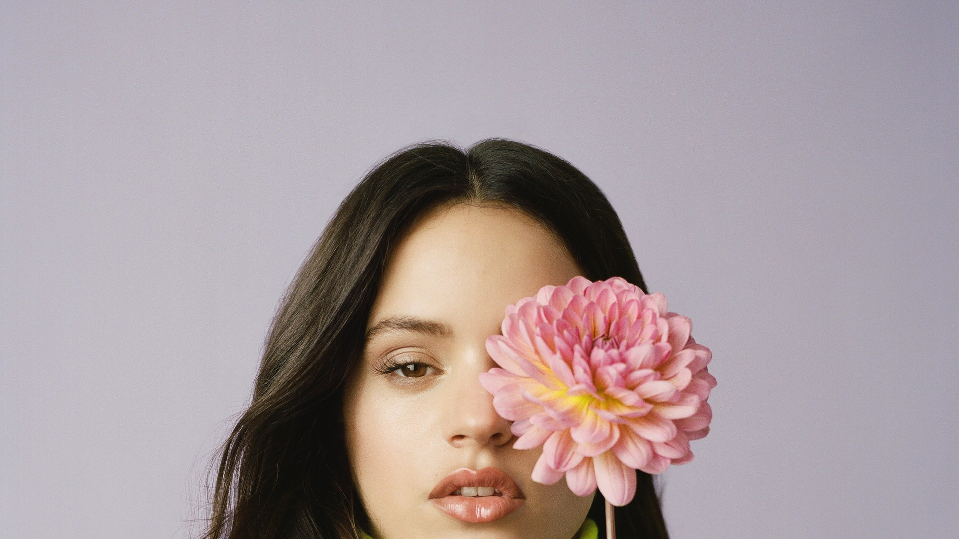 Fondos de pantalla Rosalía con flor