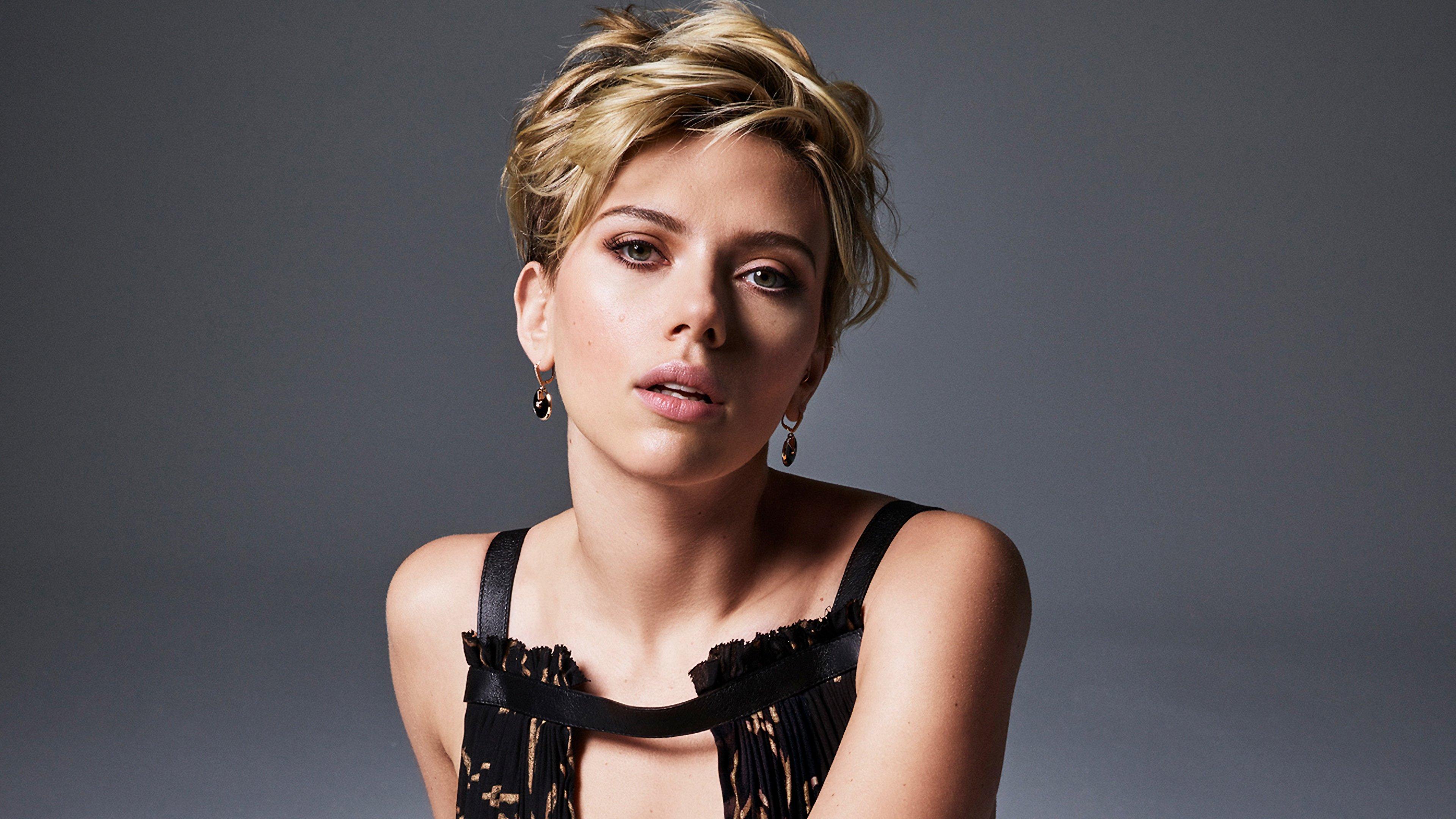 Fondos de pantalla Scarlett Johansson con cabello rubio y corto