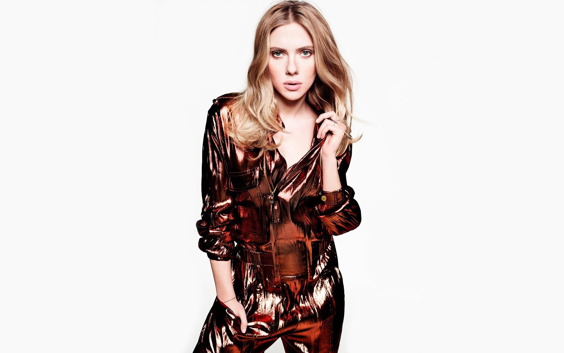 Wallpaper Scarlett Johansson with long hair
