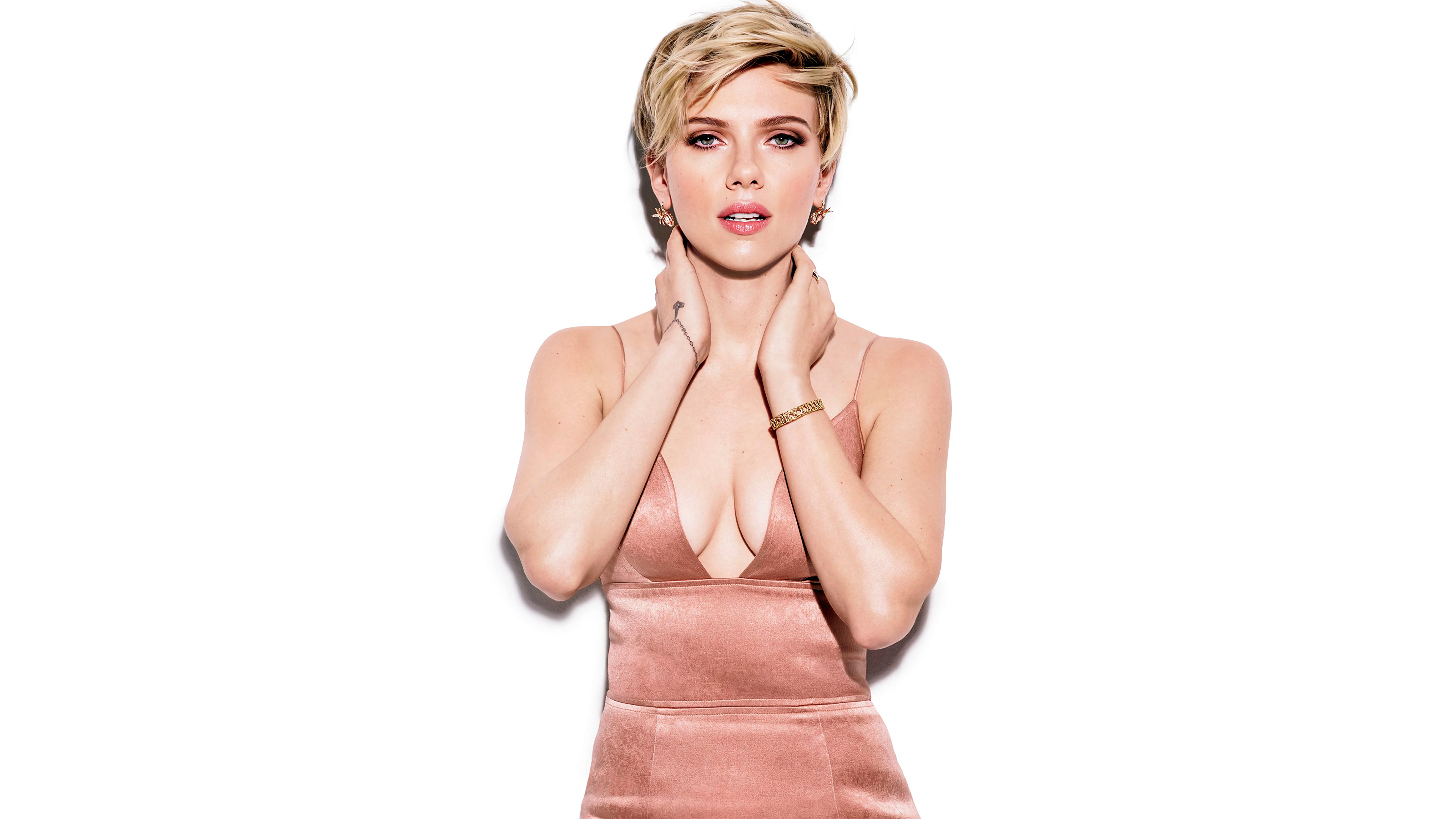 Fondos de pantalla Scarlett Johansson vestido rosa
