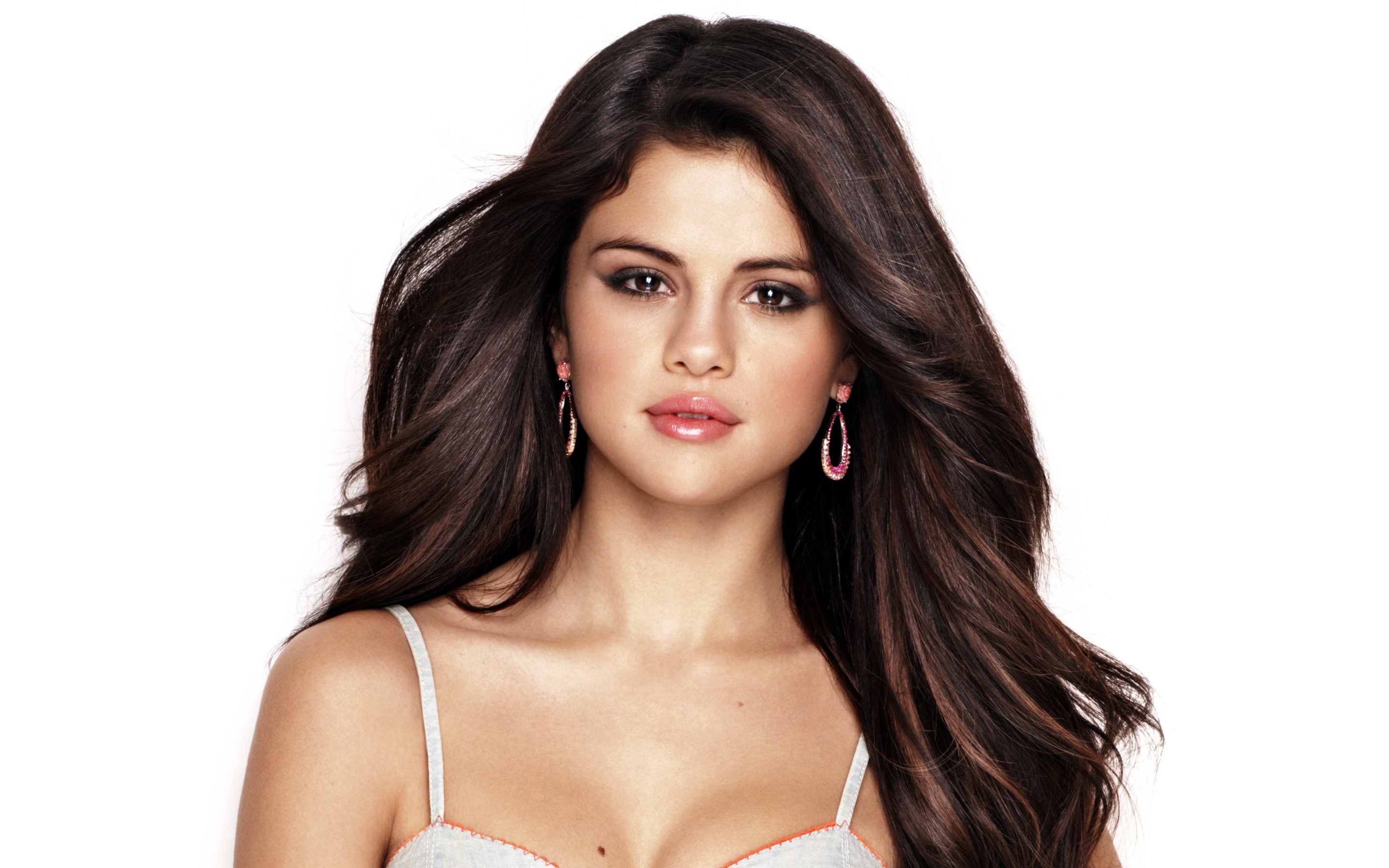 Wallpaper Selena Gomez con cabello lacio Images