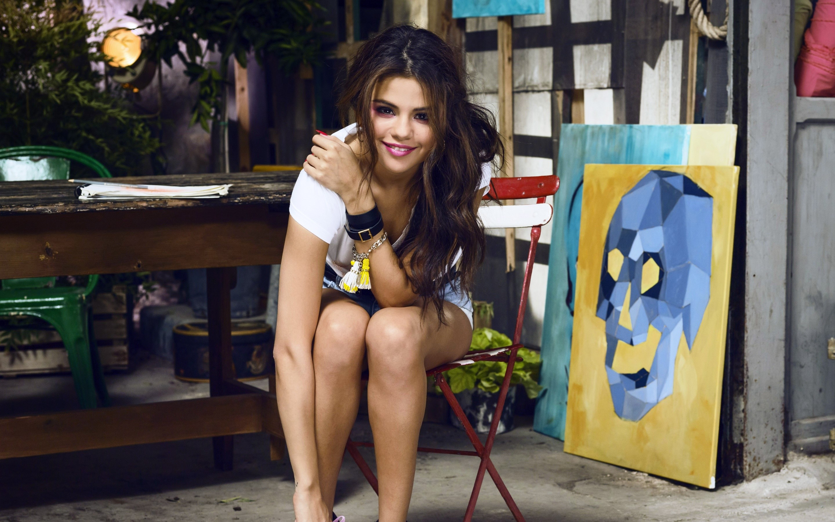 Wallpaper Selena Gomez in a gallery