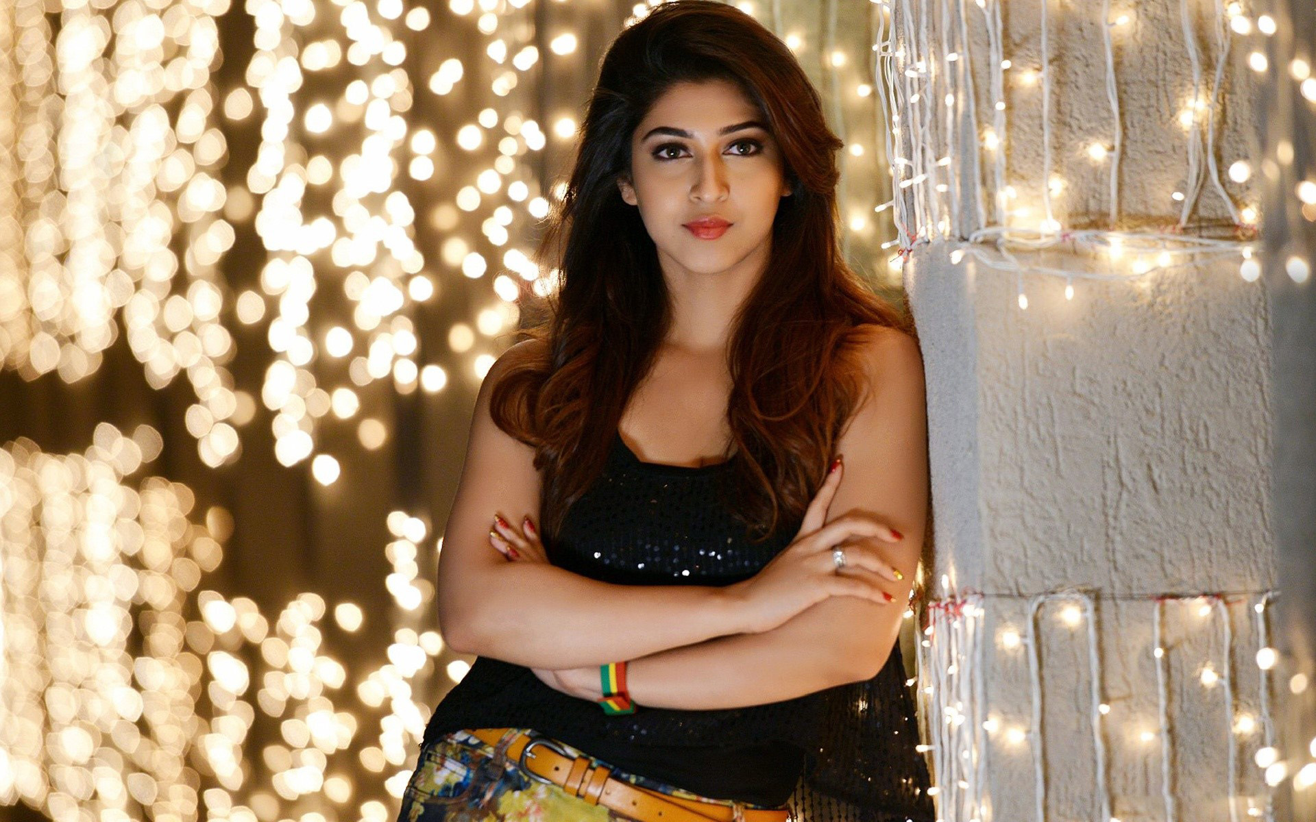 Wallpaper Sonarika Bhadoria with lights