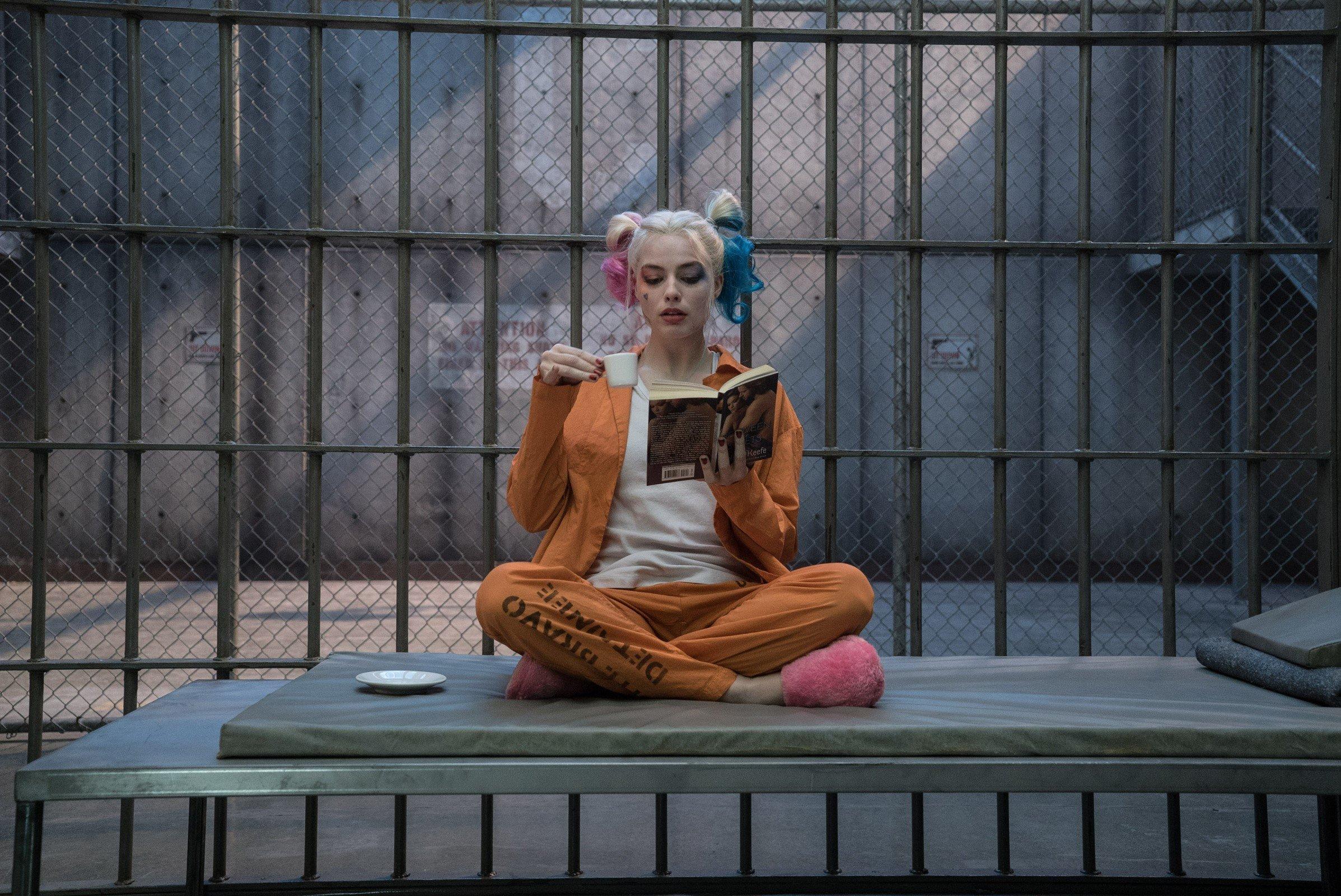 Fondo de pantalla de Suicide Squad Harley Quinn en la prisión Imágenes