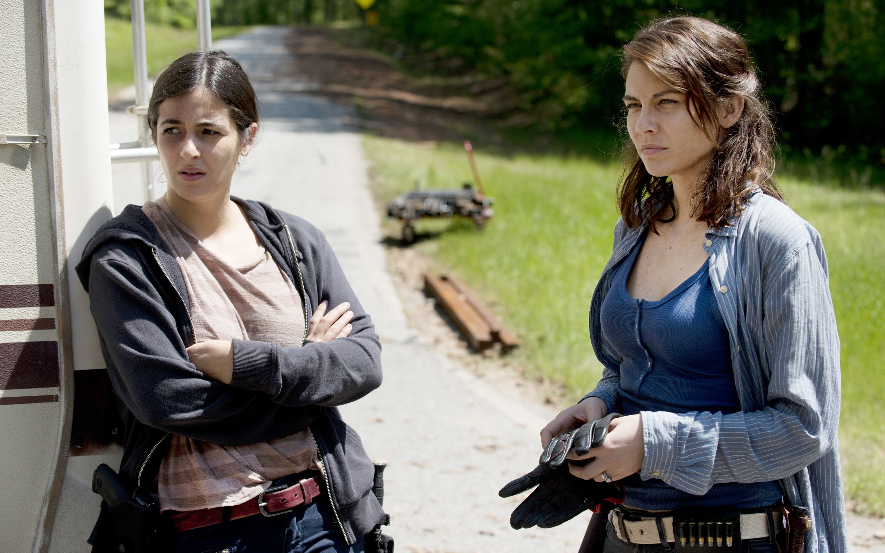 Wallpaper Tara Chambler and Maggie in The walking dead