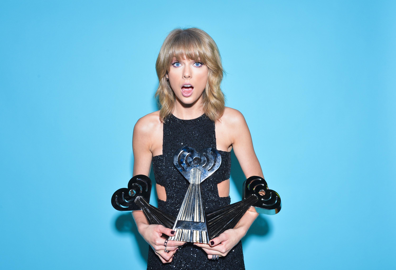 Fondos de pantalla Taylor Swift con premios iHeart