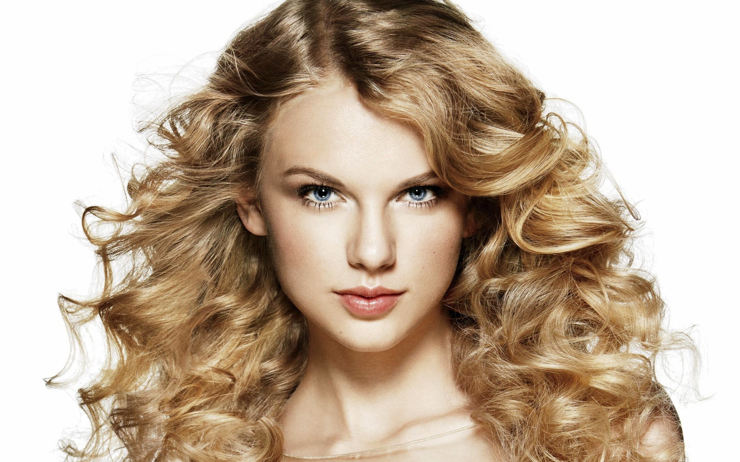 Wallpaper Taylor Swift with curls