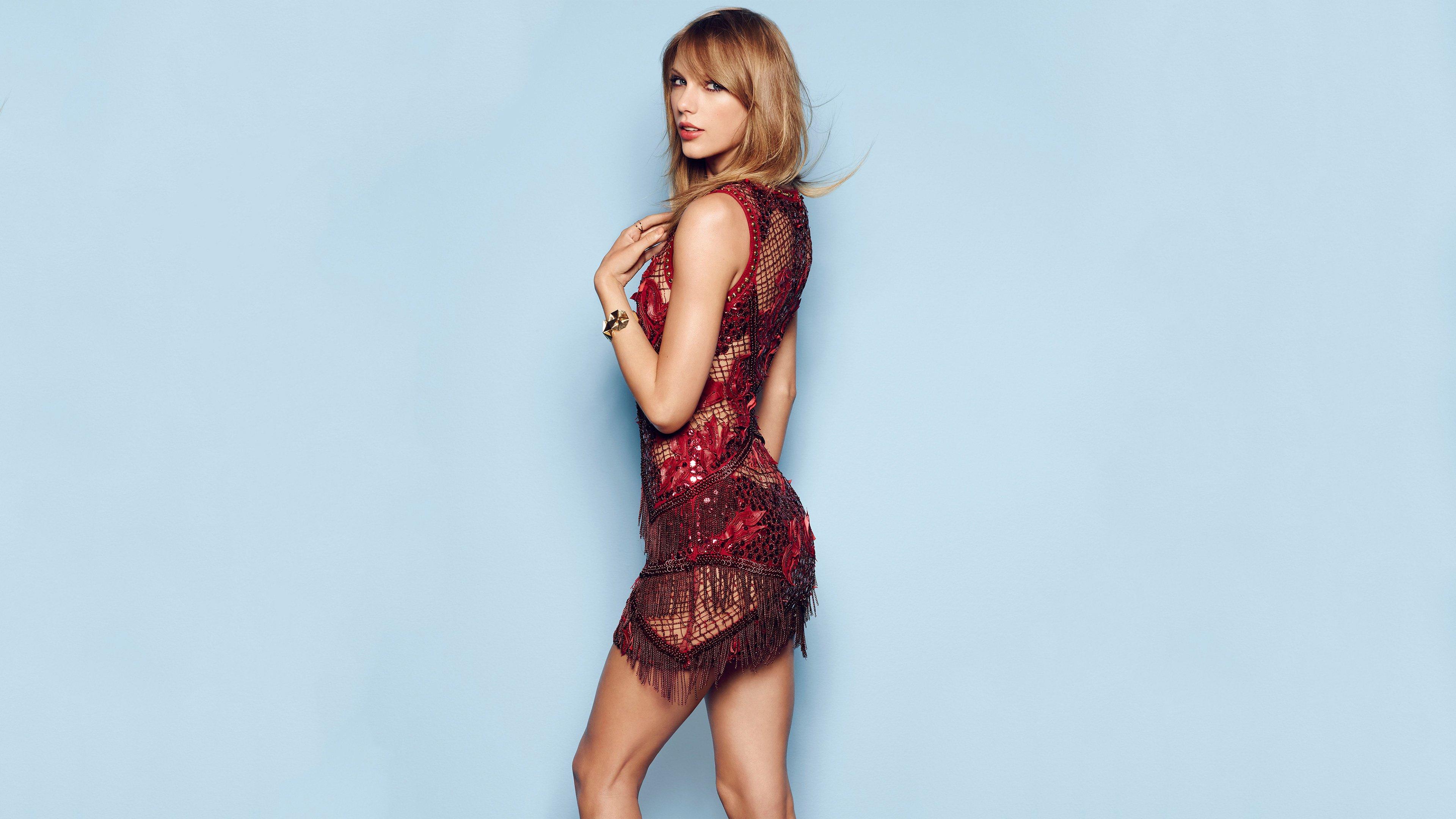 Wallpaper Taylor Swift for Cosmopolitan
