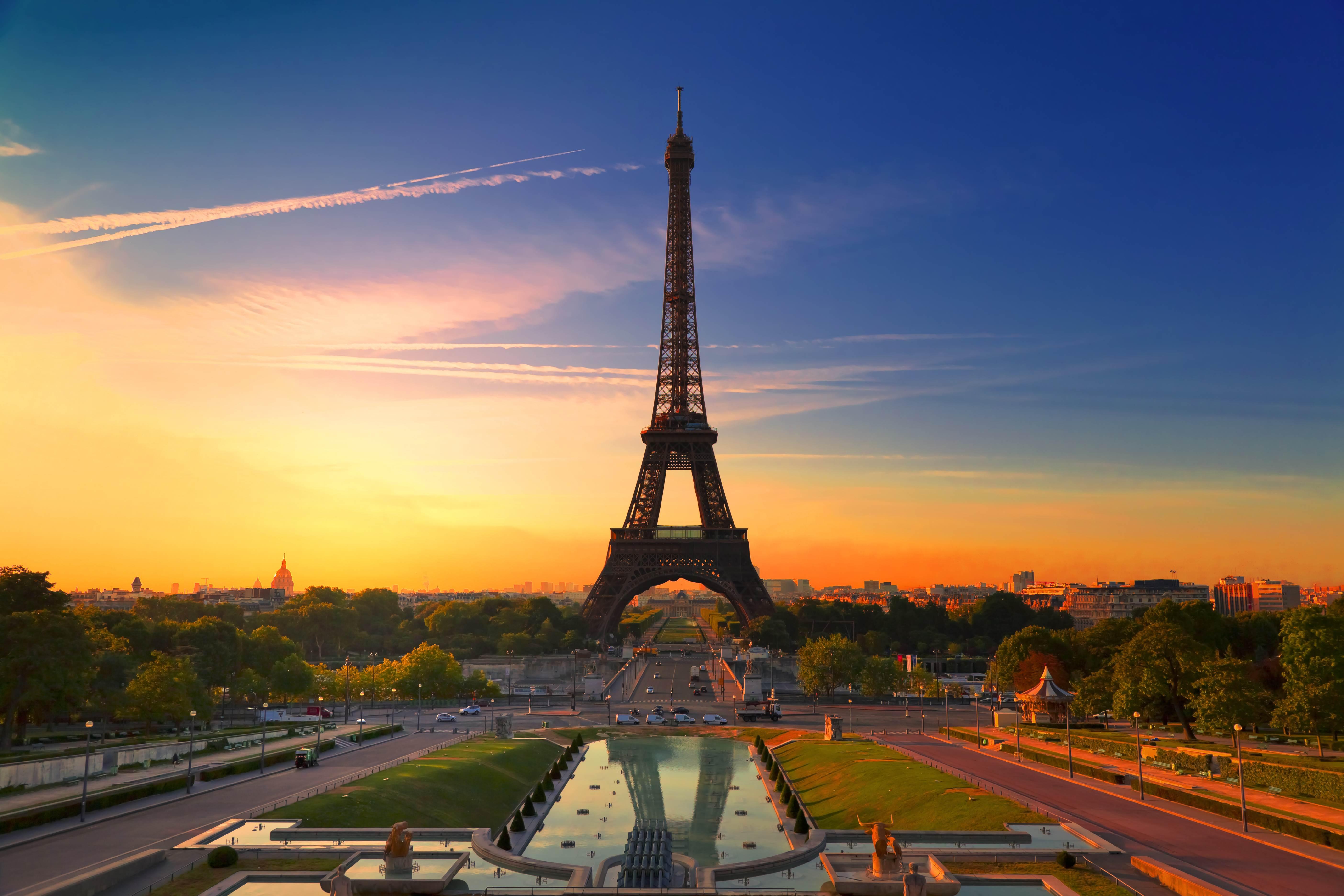 Wallpaper Eiffel Tower in Paris during suset