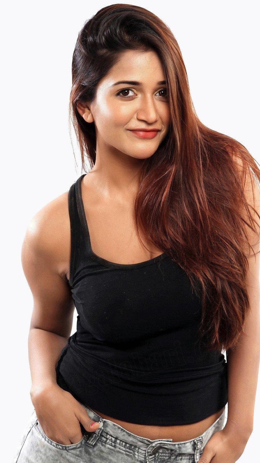 Wallpaper Actress Anaika Soti Vertical